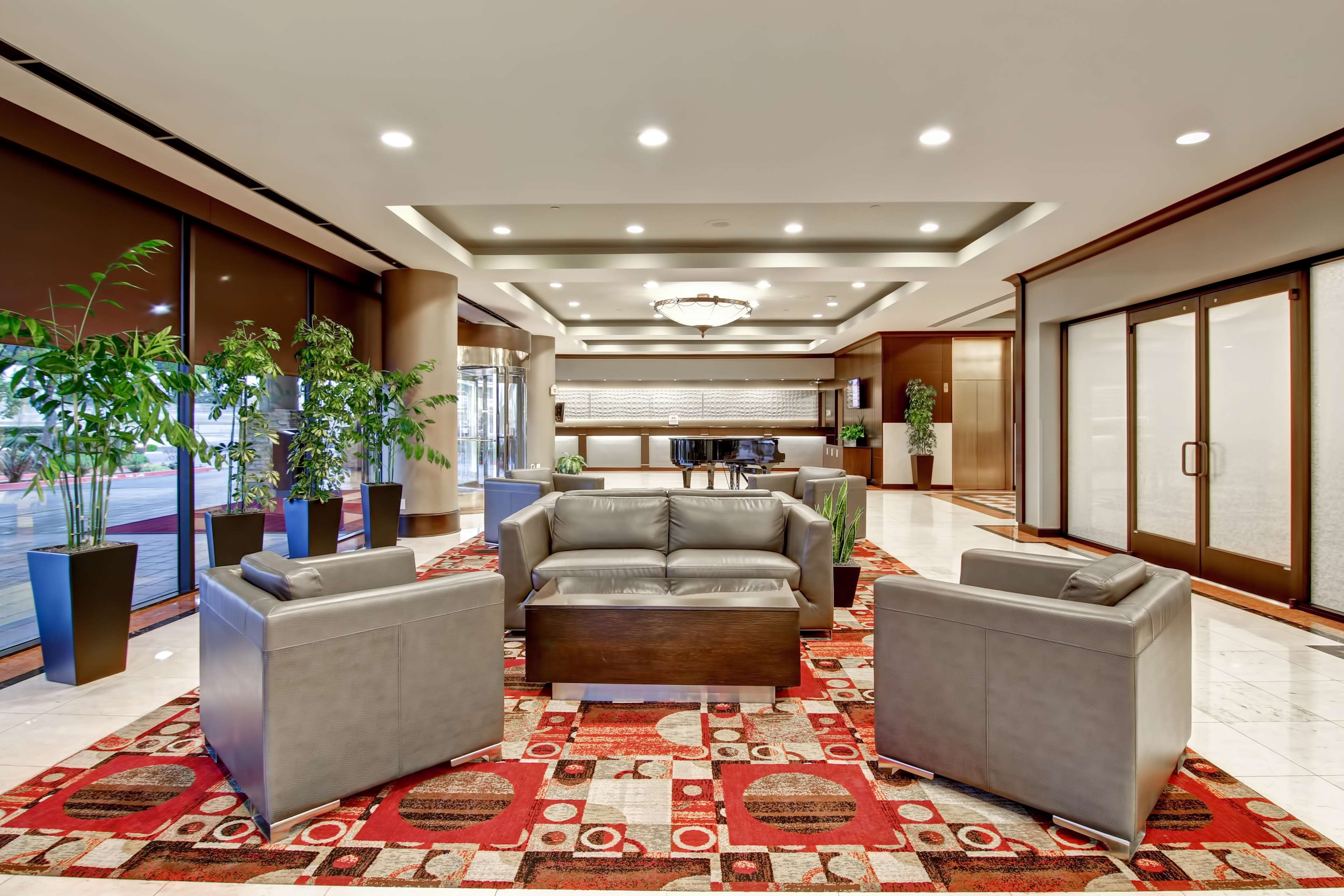 DoubleTree by Hilton Hotel Pleasanton at the Club image 2