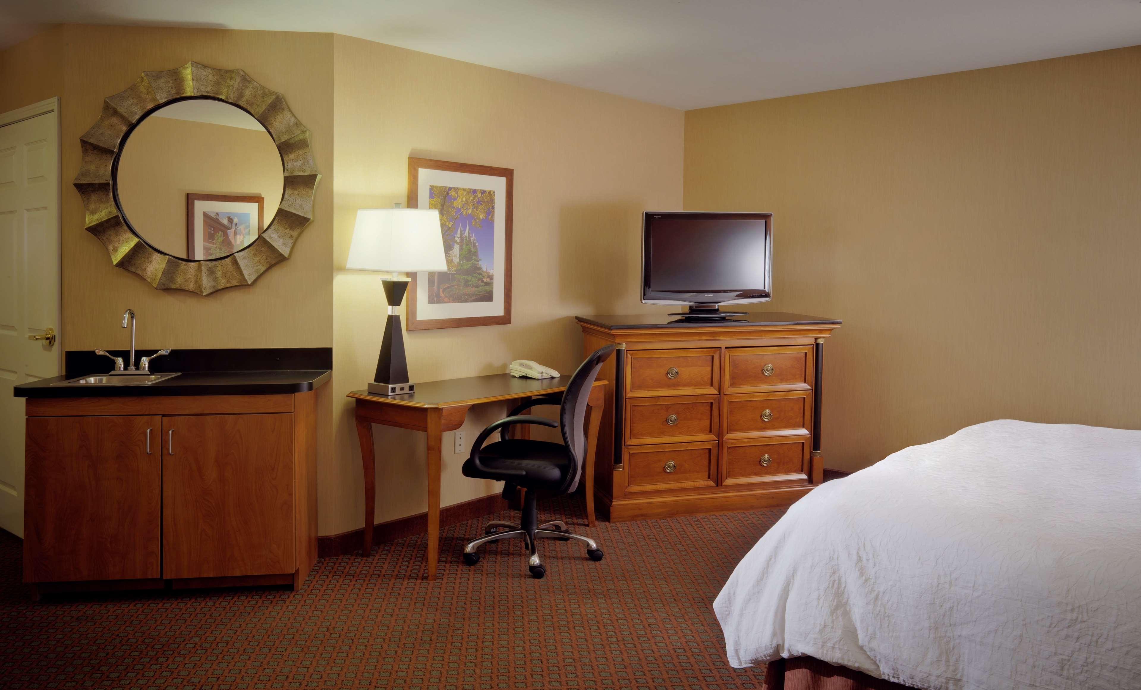 Hampton Inn & Suites Salt Lake City Airport image 14
