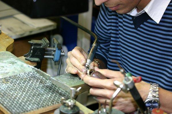 Sam's Jewelry & Watch Repairs image 21