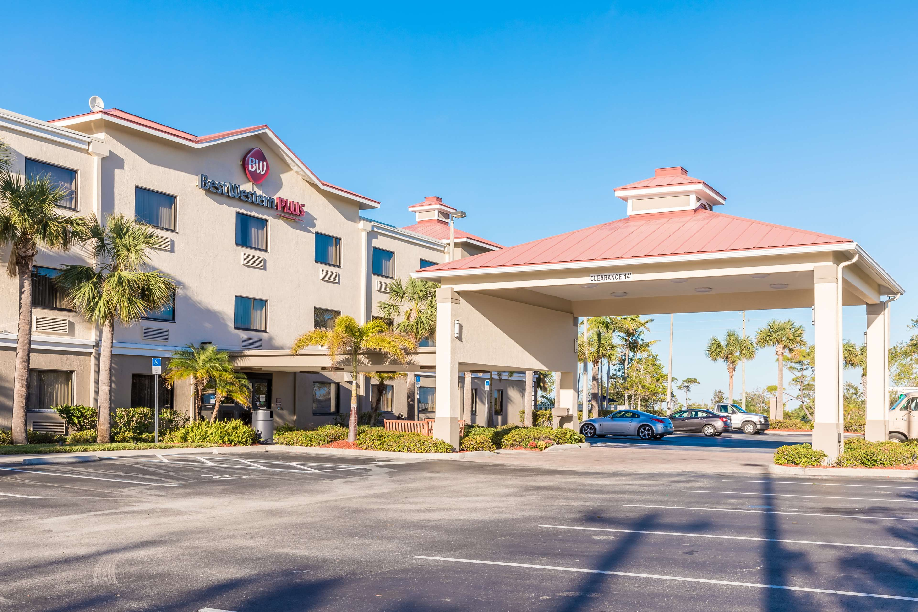 Best Western Plus Sebastian Hotel & Suites image 35