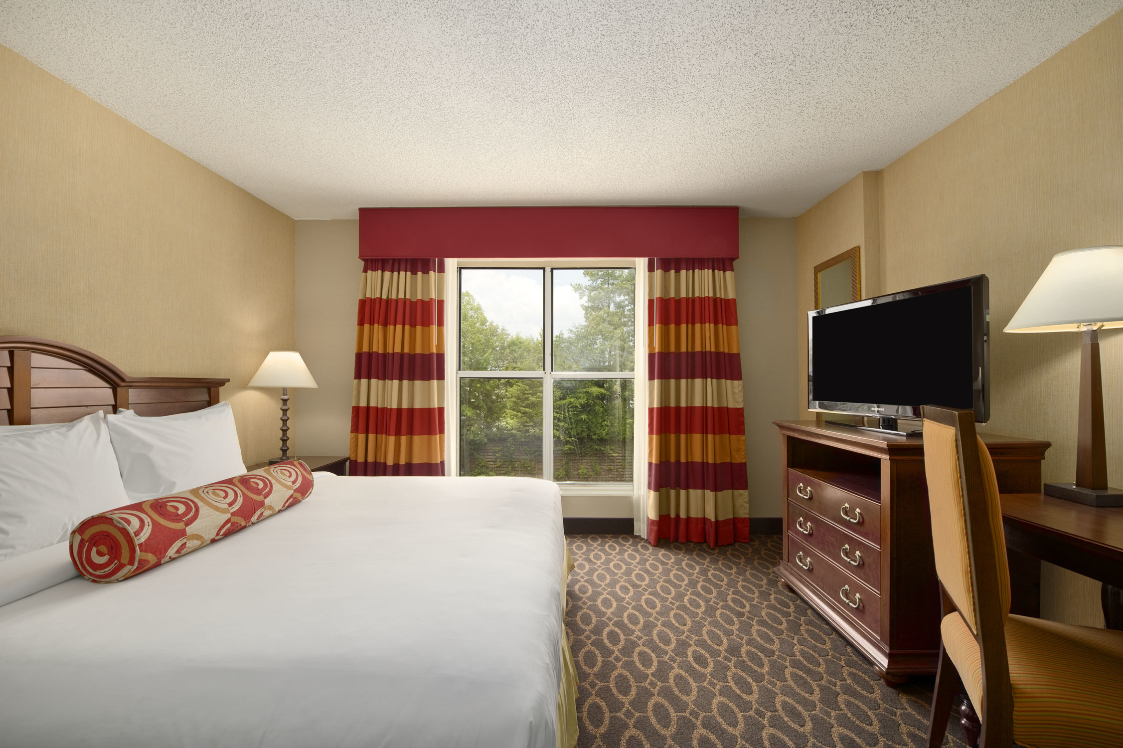 Embassy Suites by Hilton Atlanta Airport 4700 Southport Road