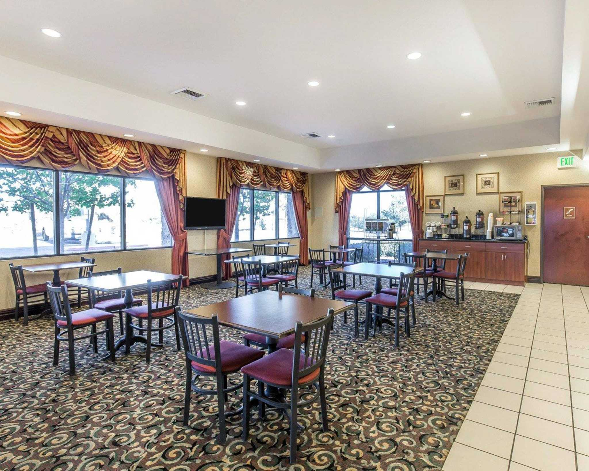 Comfort Inn & Suites Las Vegas - Nellis image 24