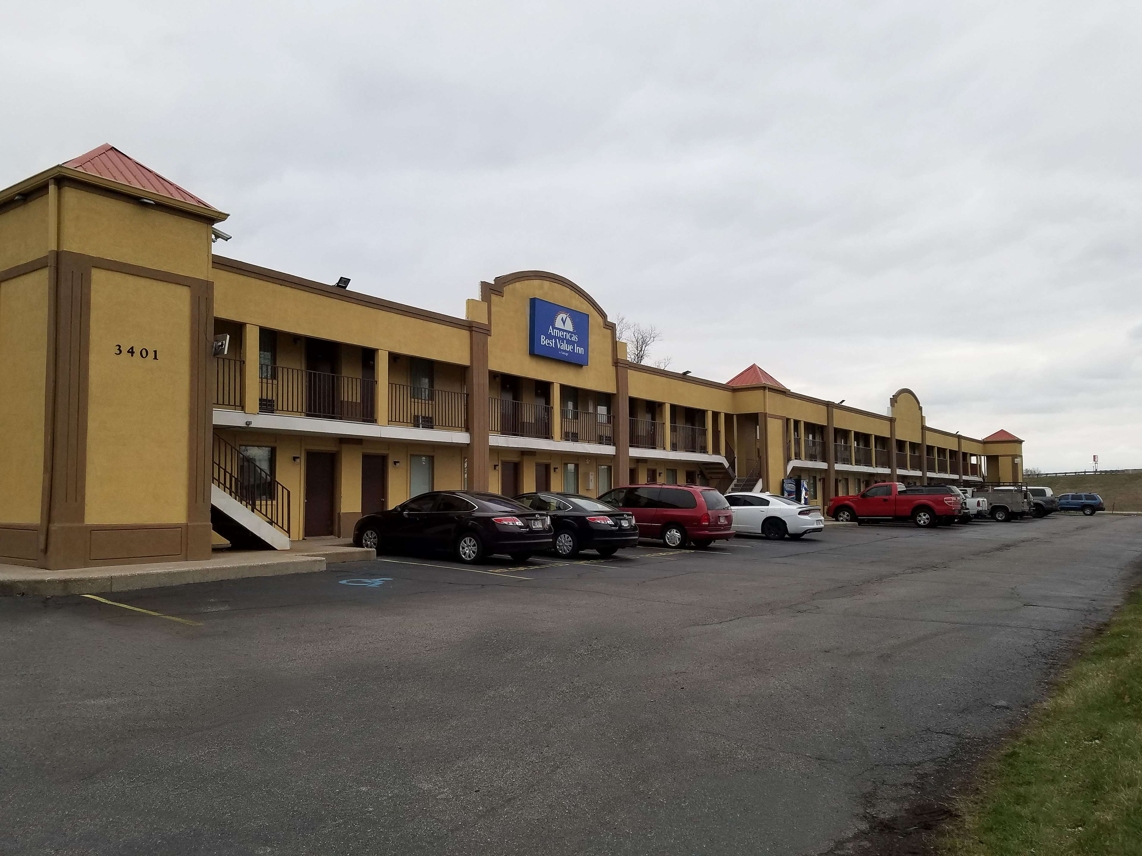 Americas Best Value Inn - Indy South image 2