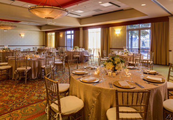Renaissance Charlotte Suites Hotel image 11