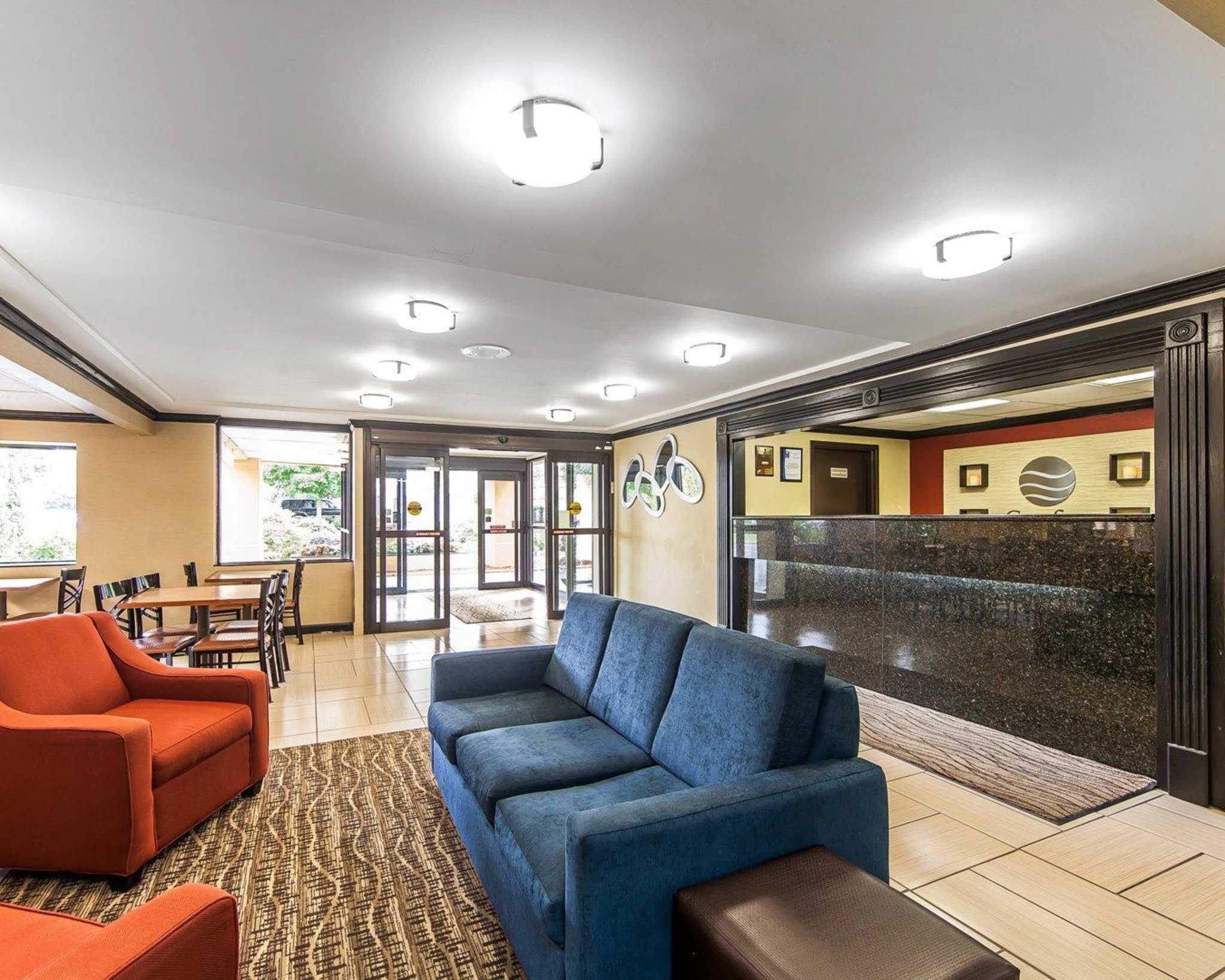 Comfort Inn & Suites image 26