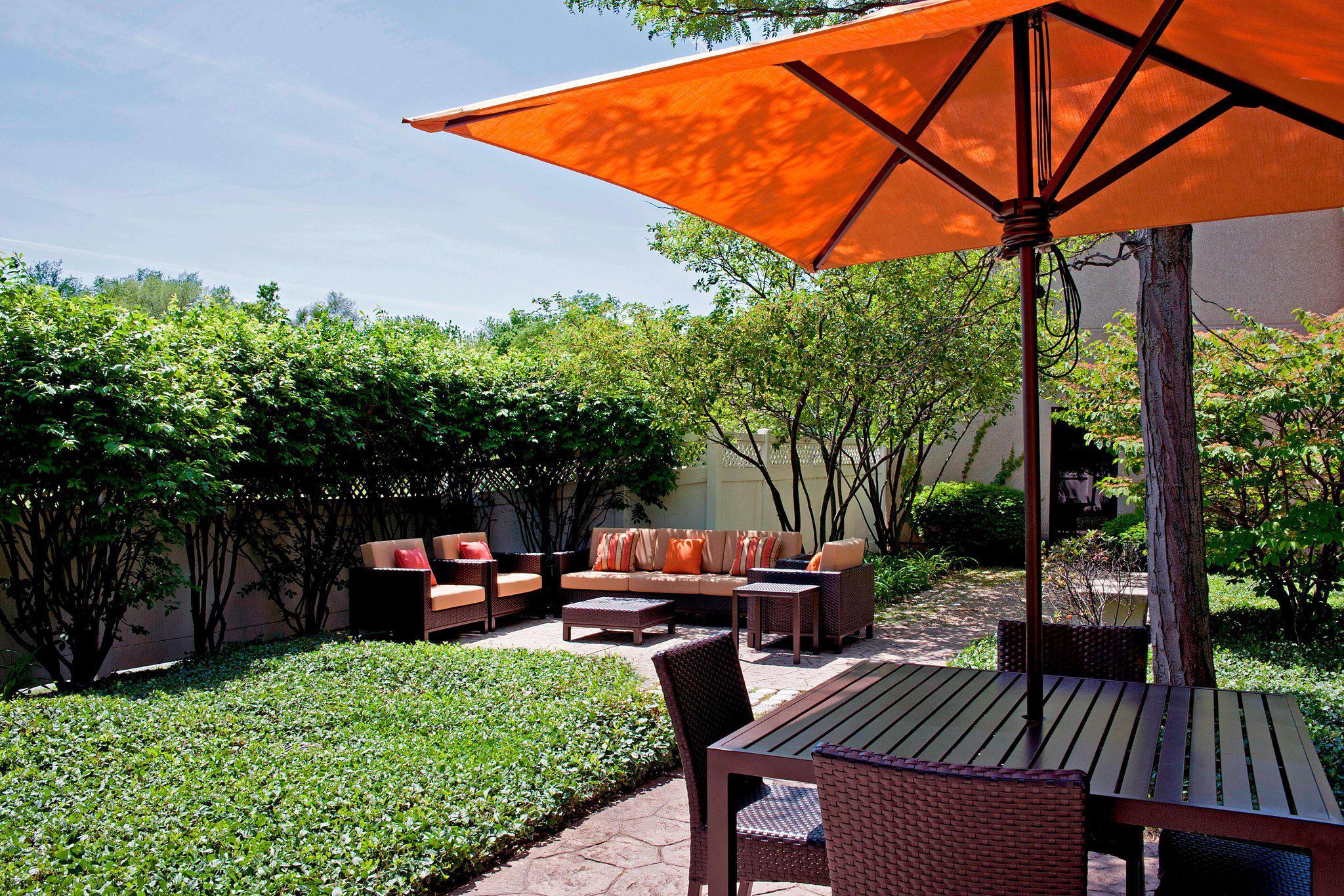 Courtyard by Marriott Chicago Elmhurst/Oakbrook Area
