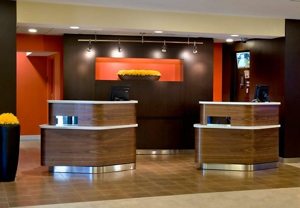 Courtyard by Marriott Lincroft Red Bank image 1