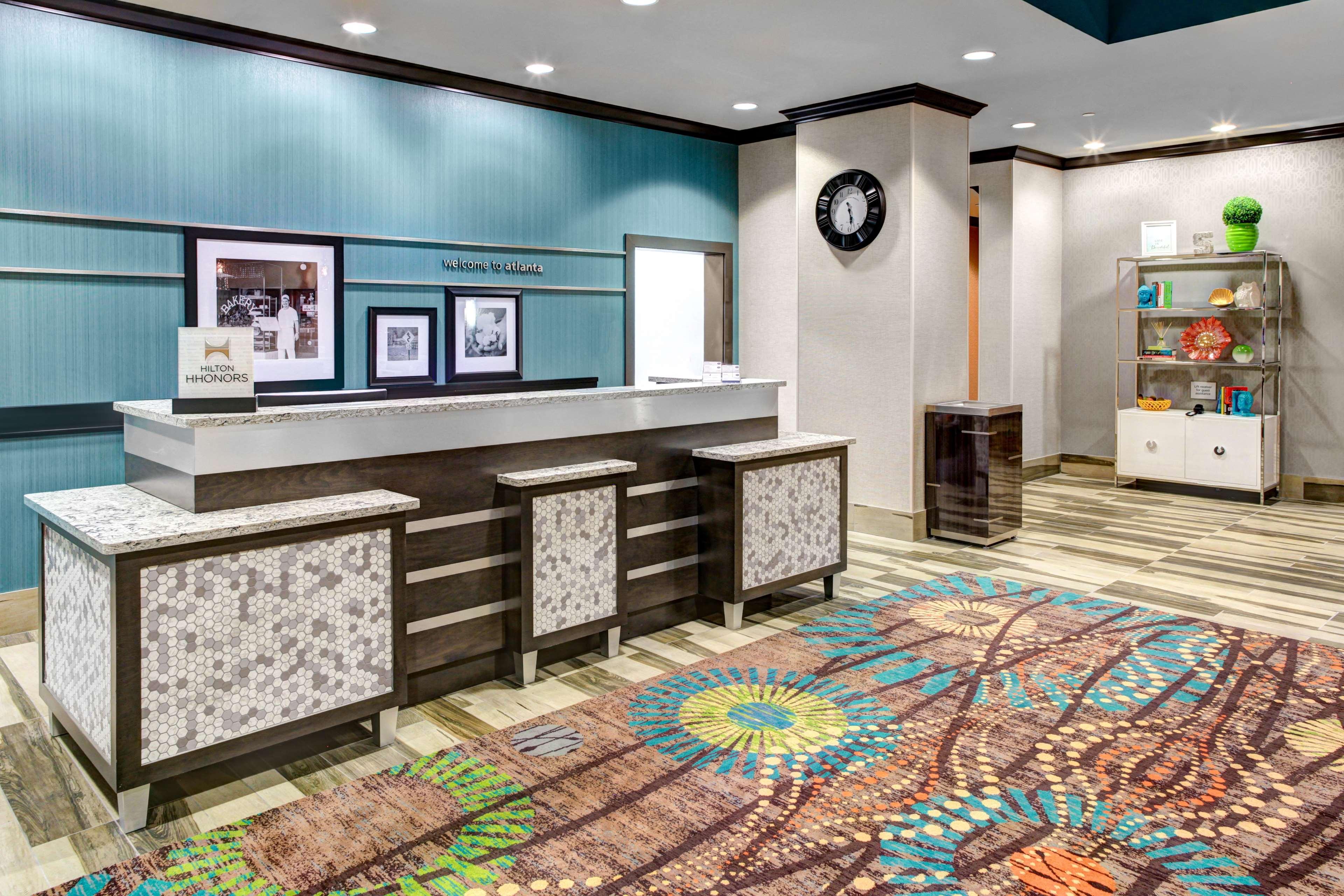 Hampton Inn & Suites by Hilton Atlanta Perimeter Dunwoody image 2