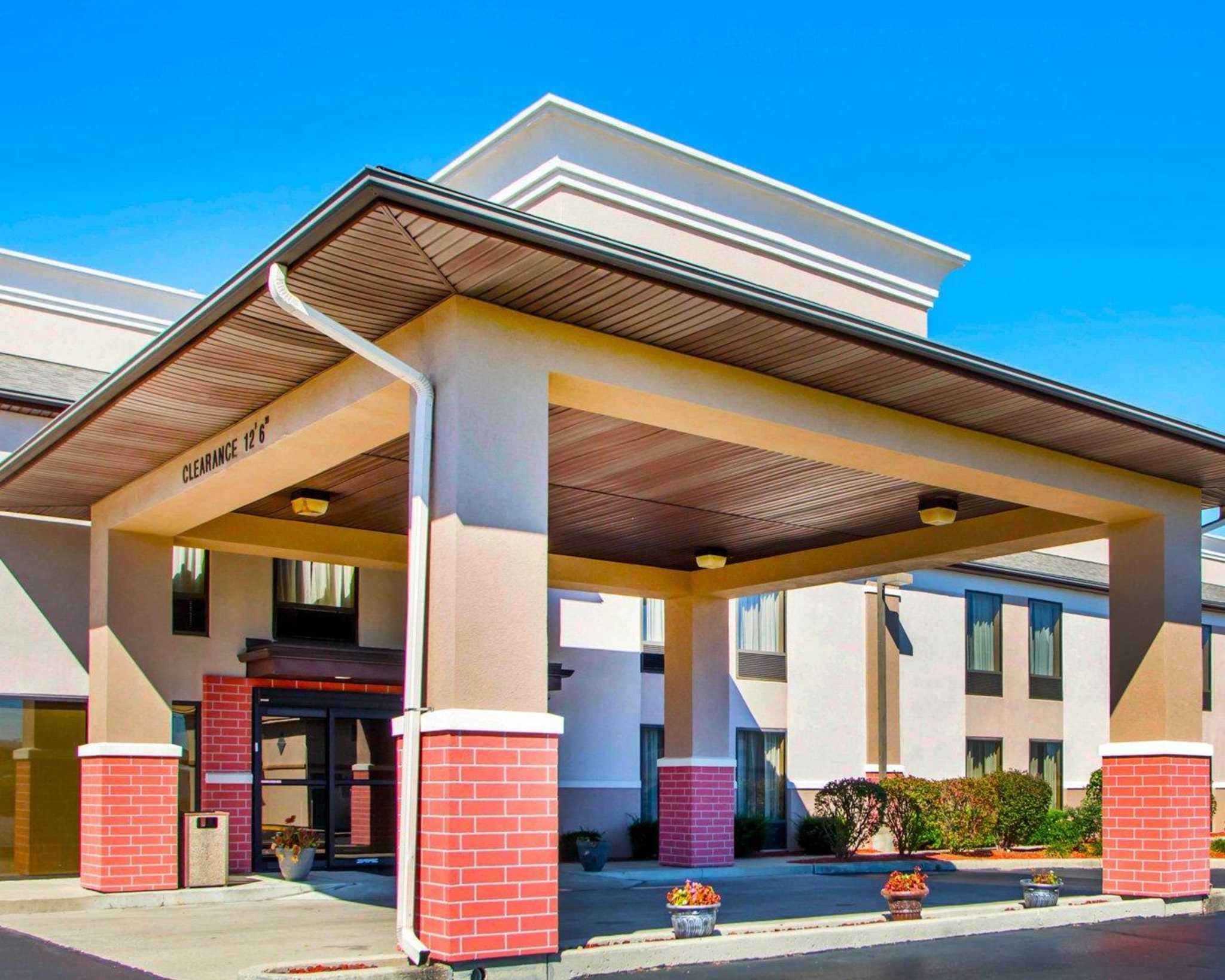 Comfort Inn Dayton - Huber Heights image 3