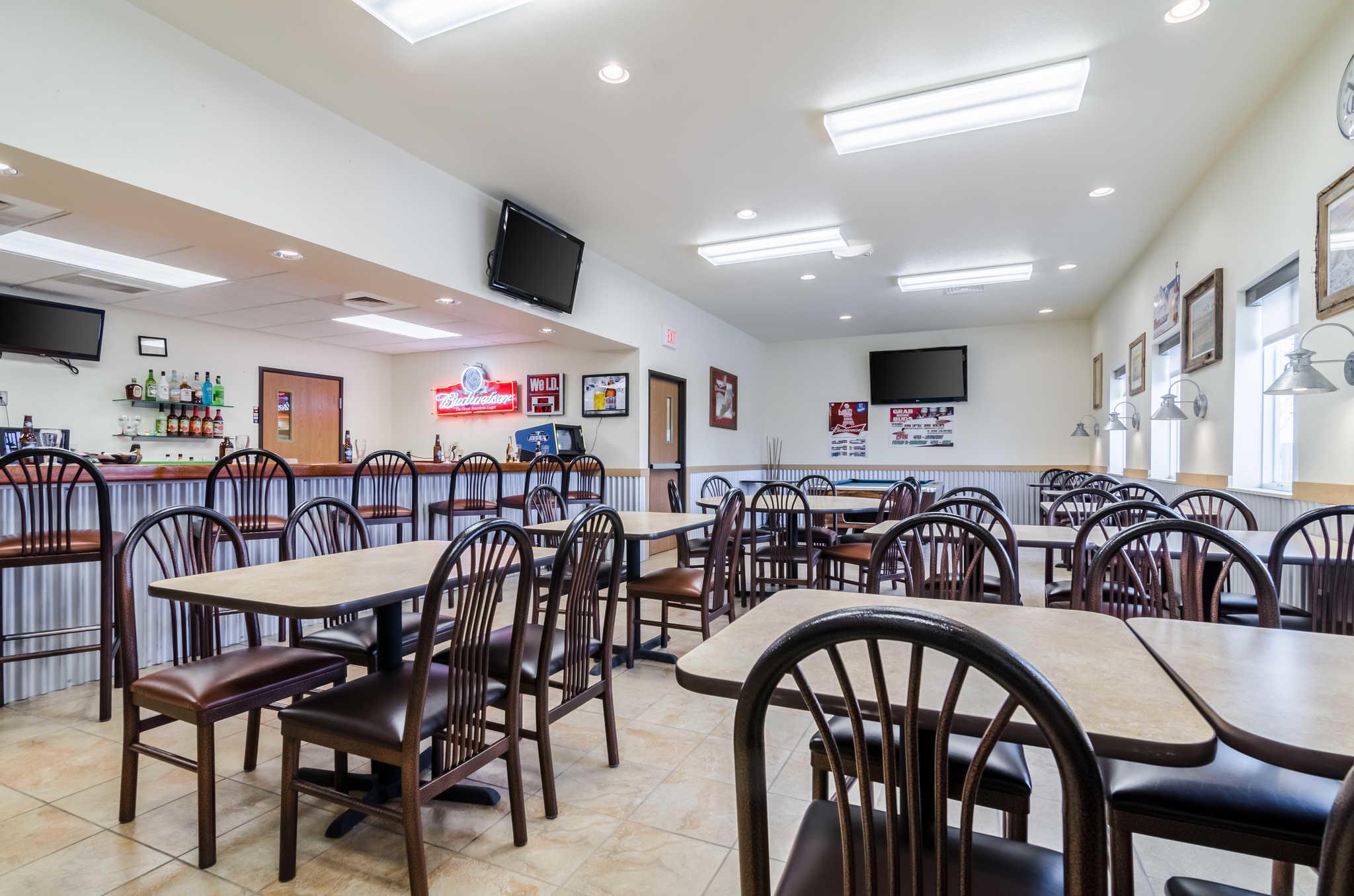 Rodeway Inn & Suites image 35