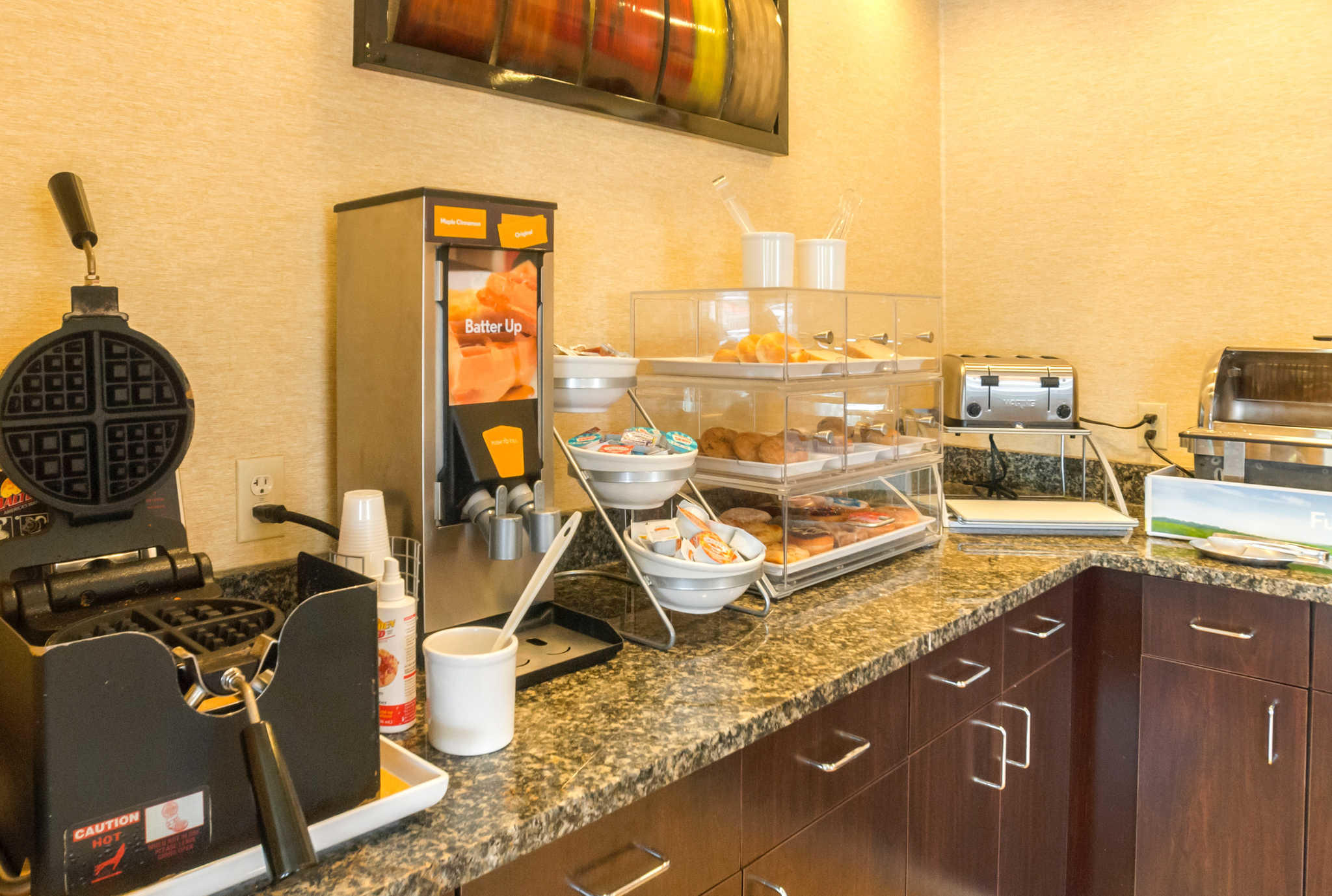 Comfort Suites Manhattan image 25
