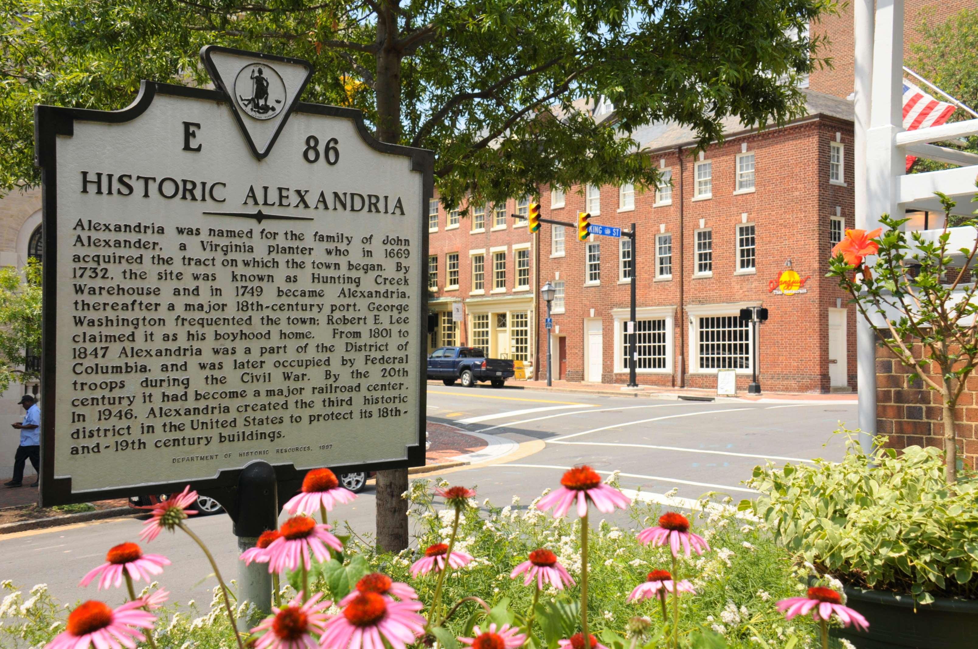 Hampton Inn Alexandria-Old Town/King St. Metro image 36