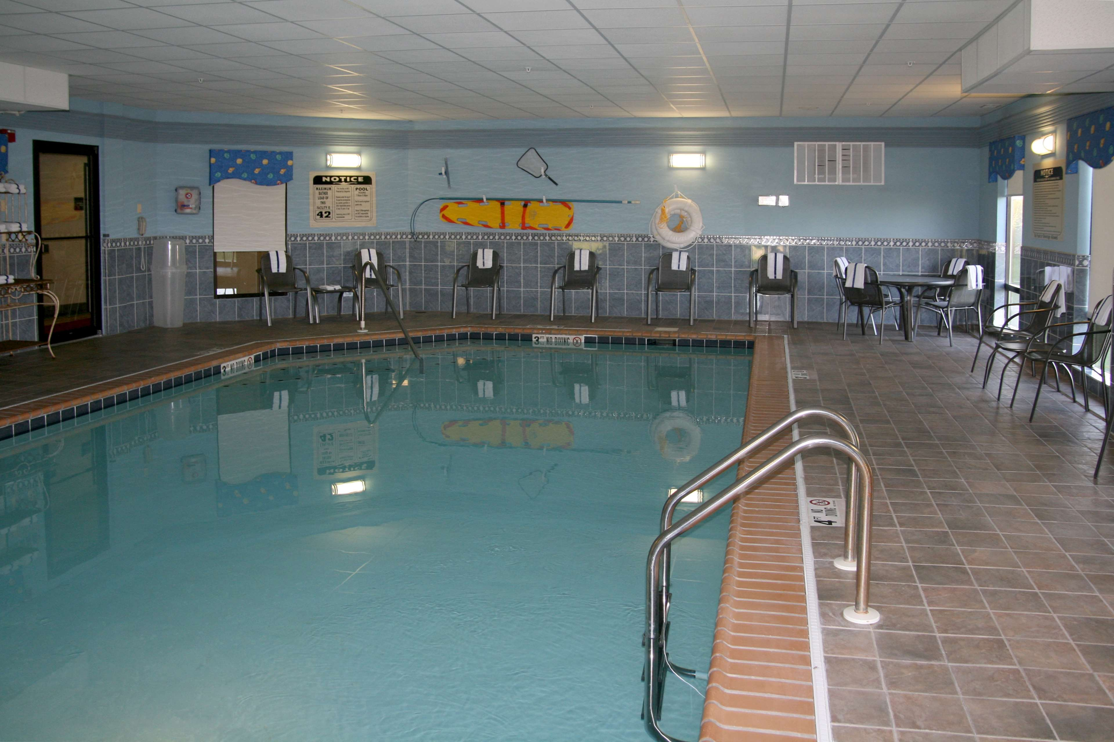 Hampton Inn & Suites Bolingbrook image 7