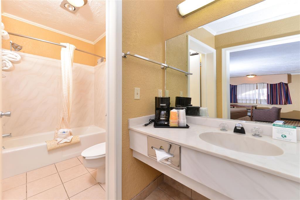 Americas Best Value Inn Elk City image 9