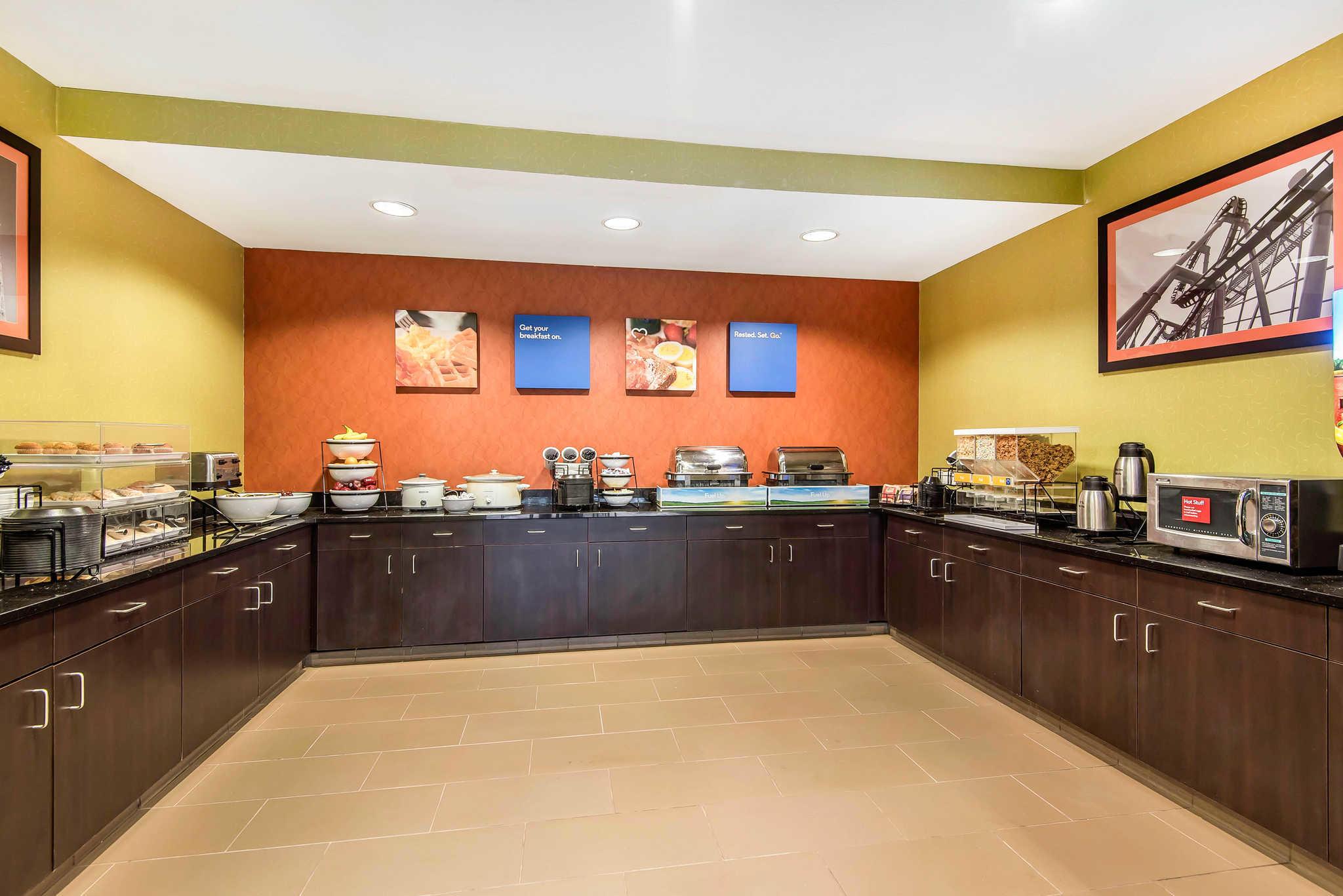 Comfort Inn & Suites Kansas City - Northeast image 24