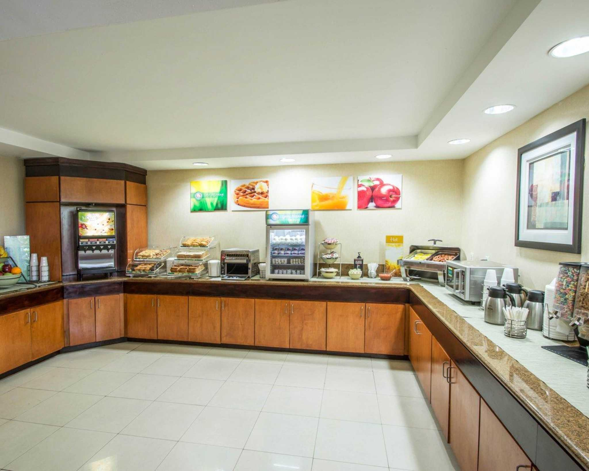 Quality Inn Miami Airport image 20