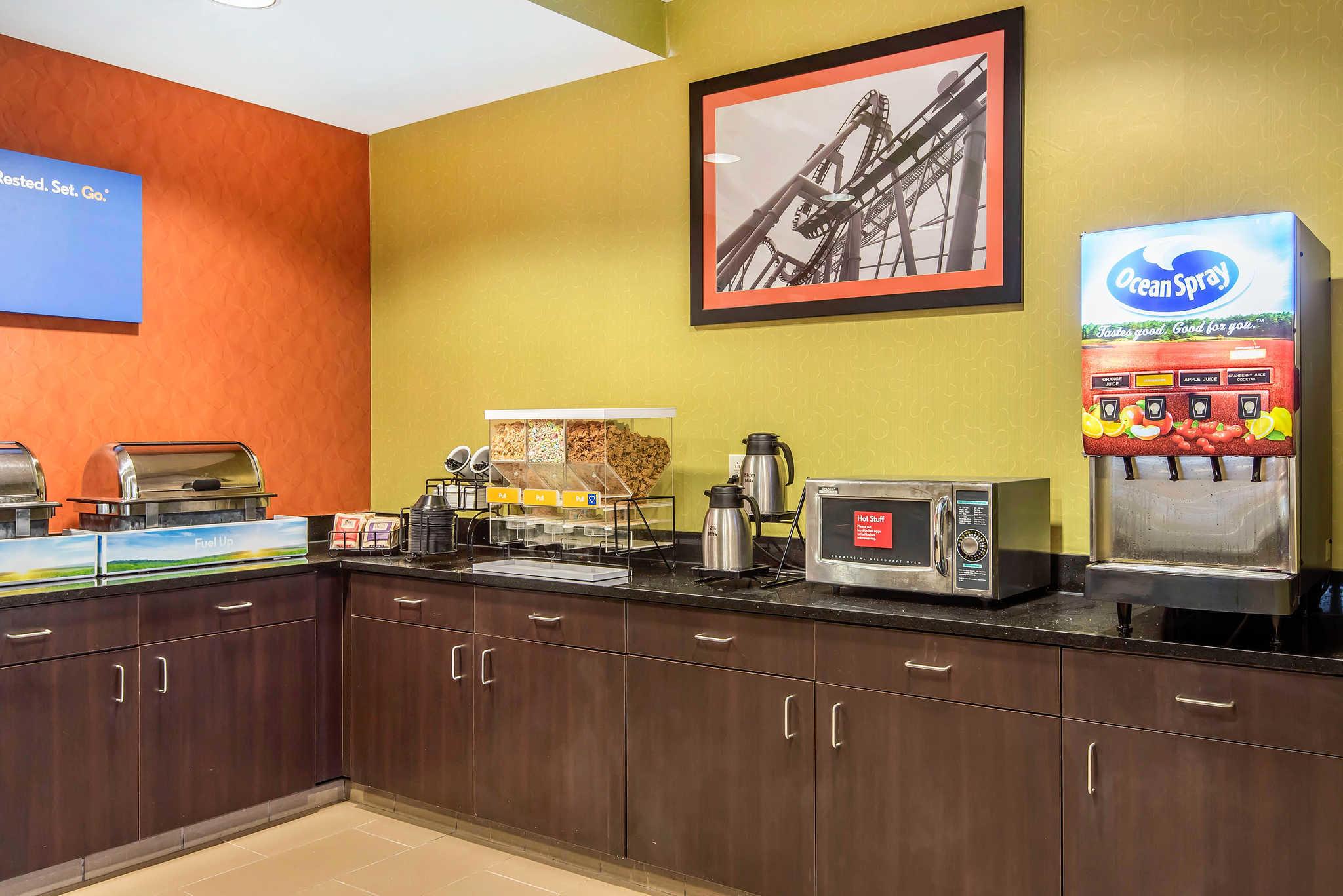 Comfort Inn & Suites Kansas City - Northeast image 23