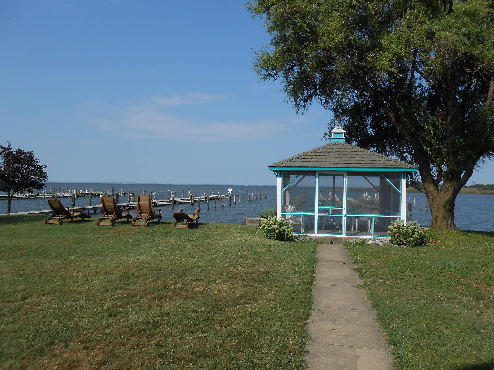 Moonlight Bay Inn & Marina, Inc. image 0