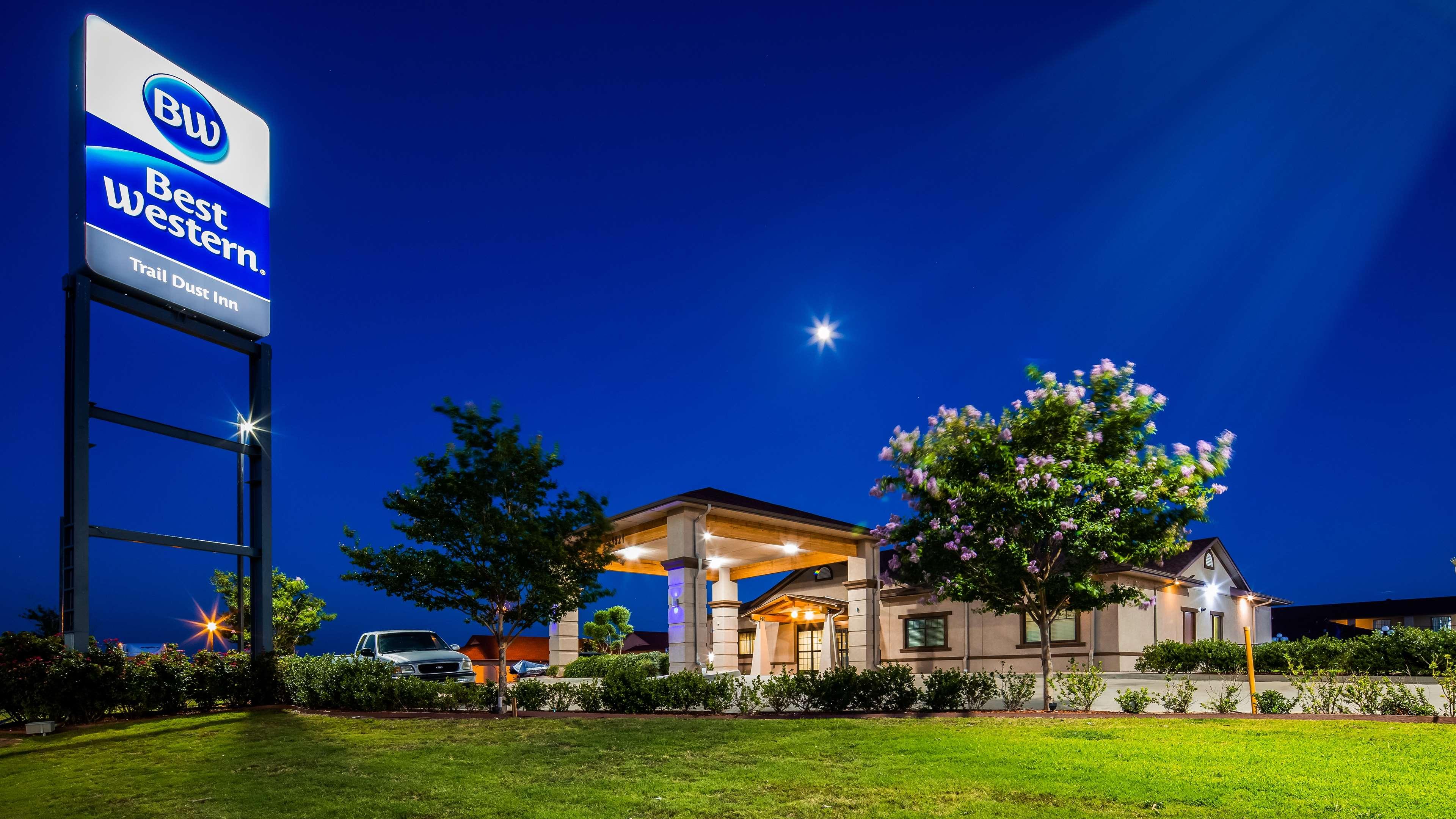 Best Western Trail Dust Inn & Suites image 11