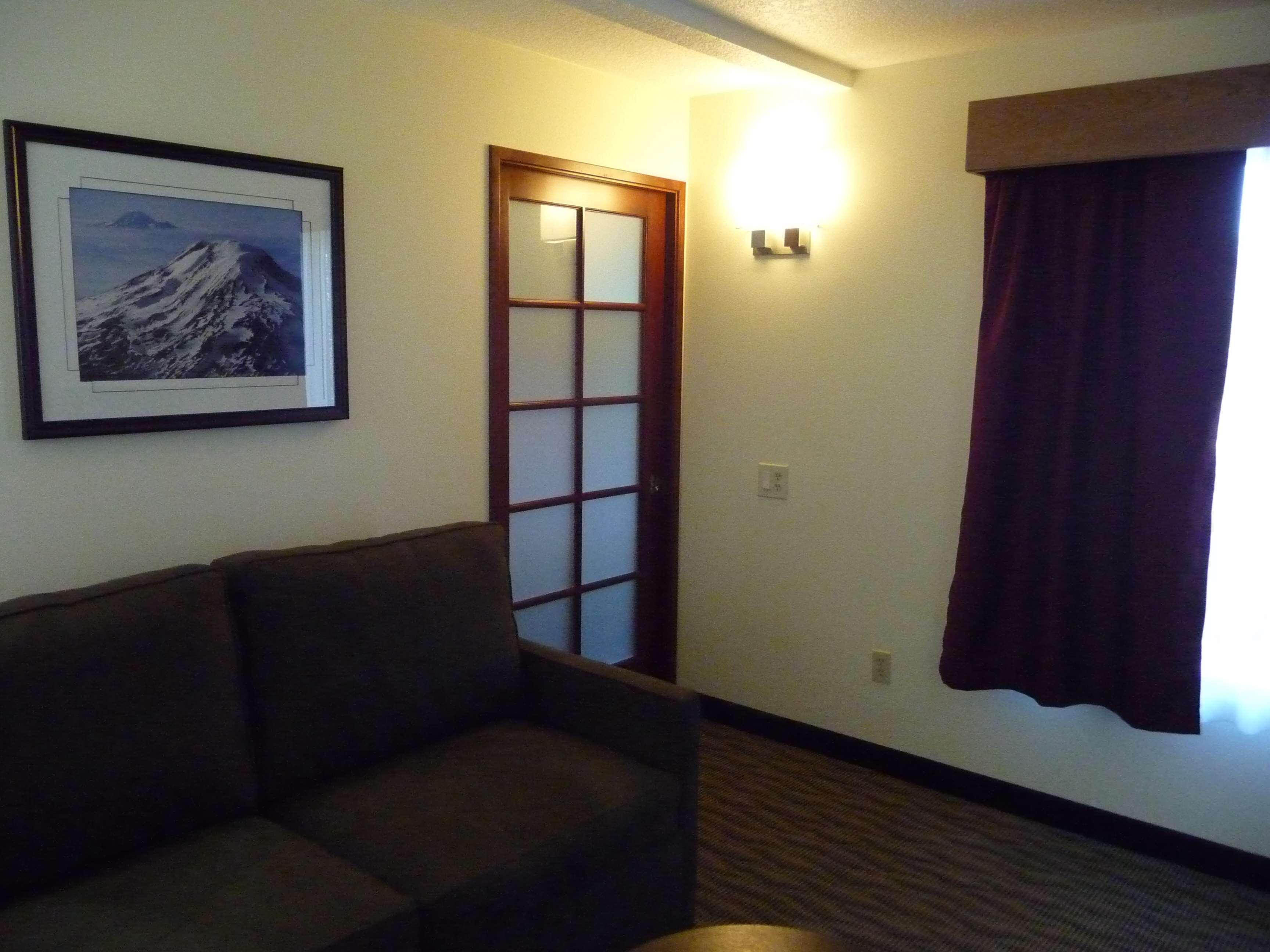 Best Western Plus Park Place Inn & Suites image 19