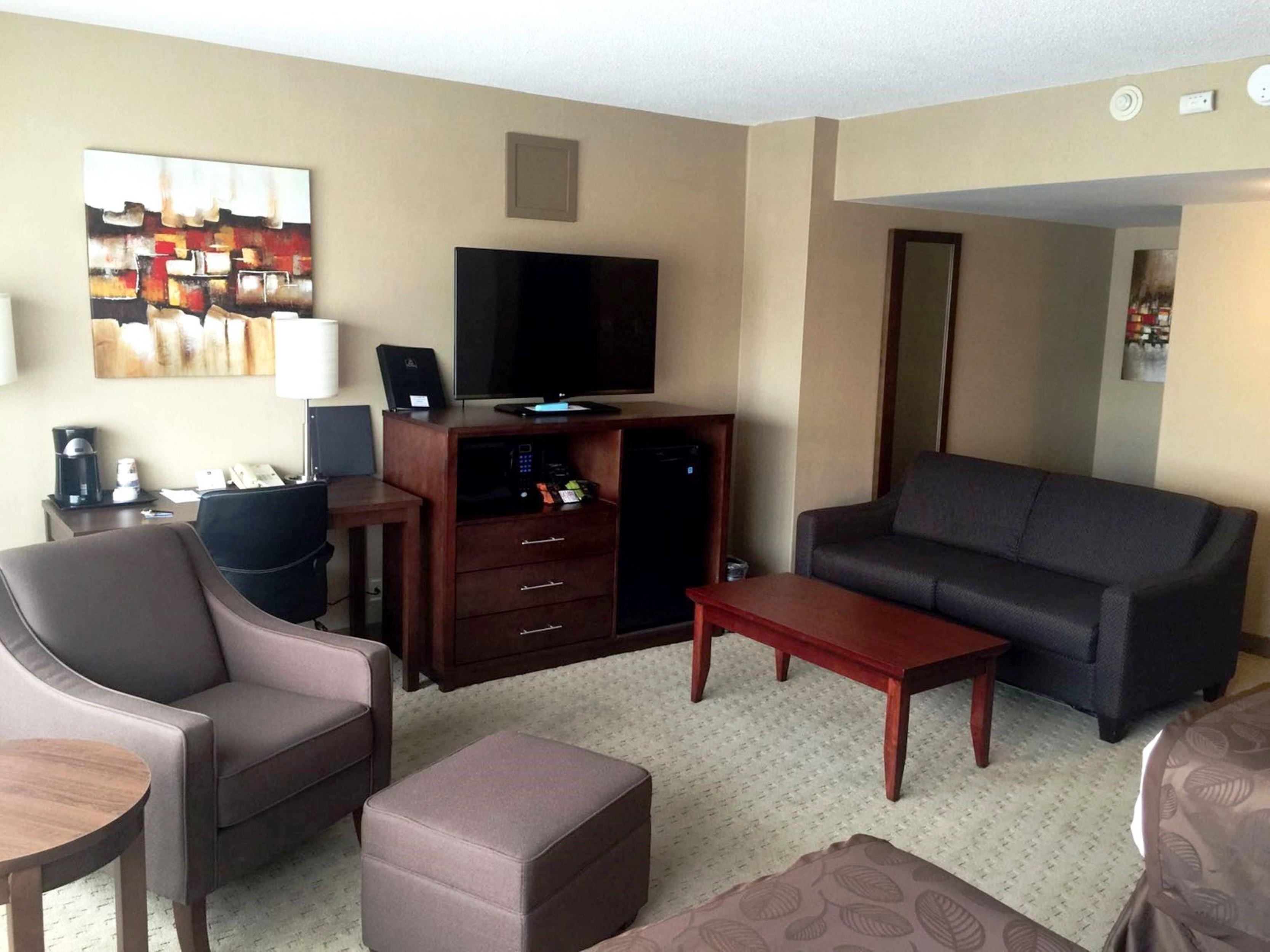Best Western Terrace Inn in Terrace: King Suite Living Space