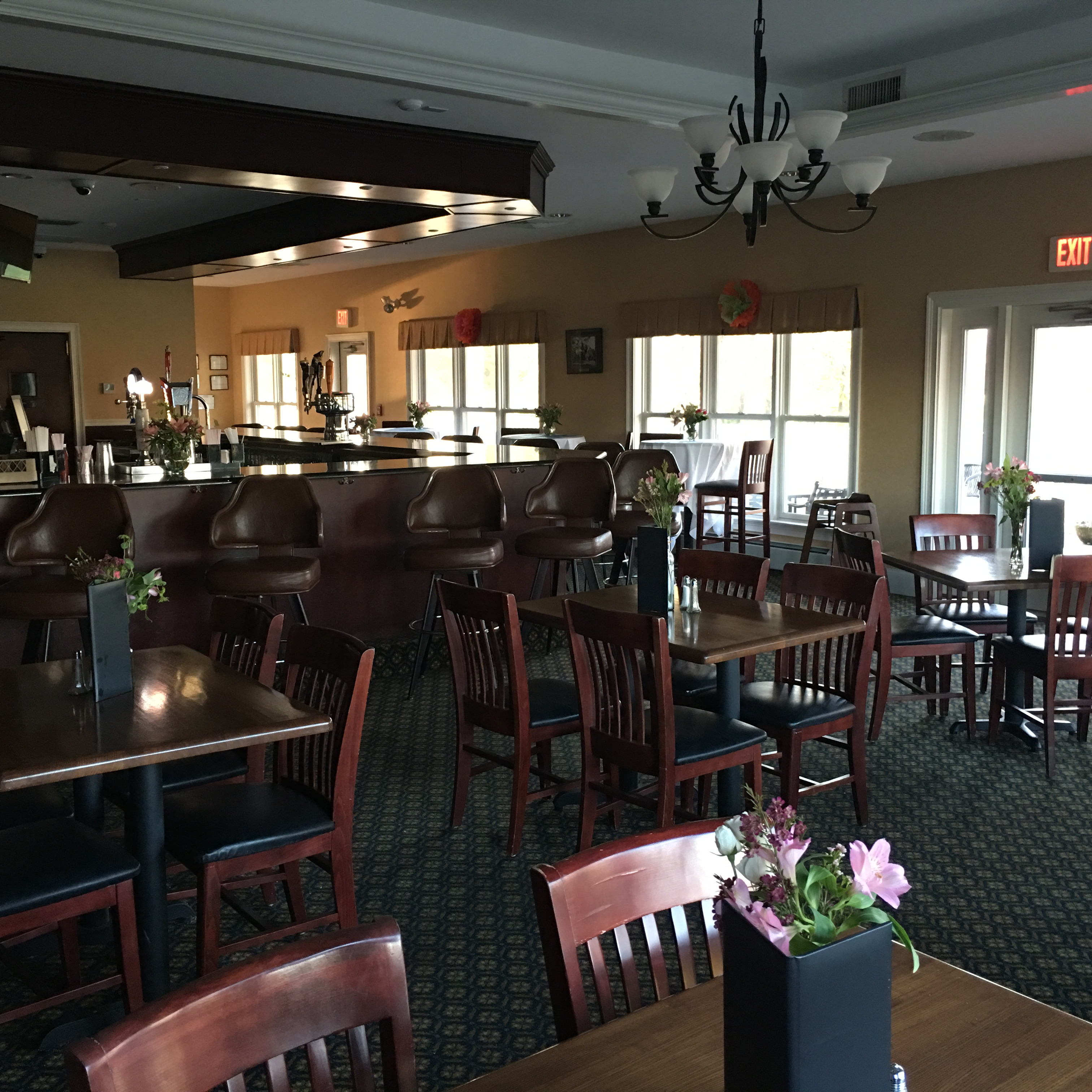 Laurel Lane Country Club image 3