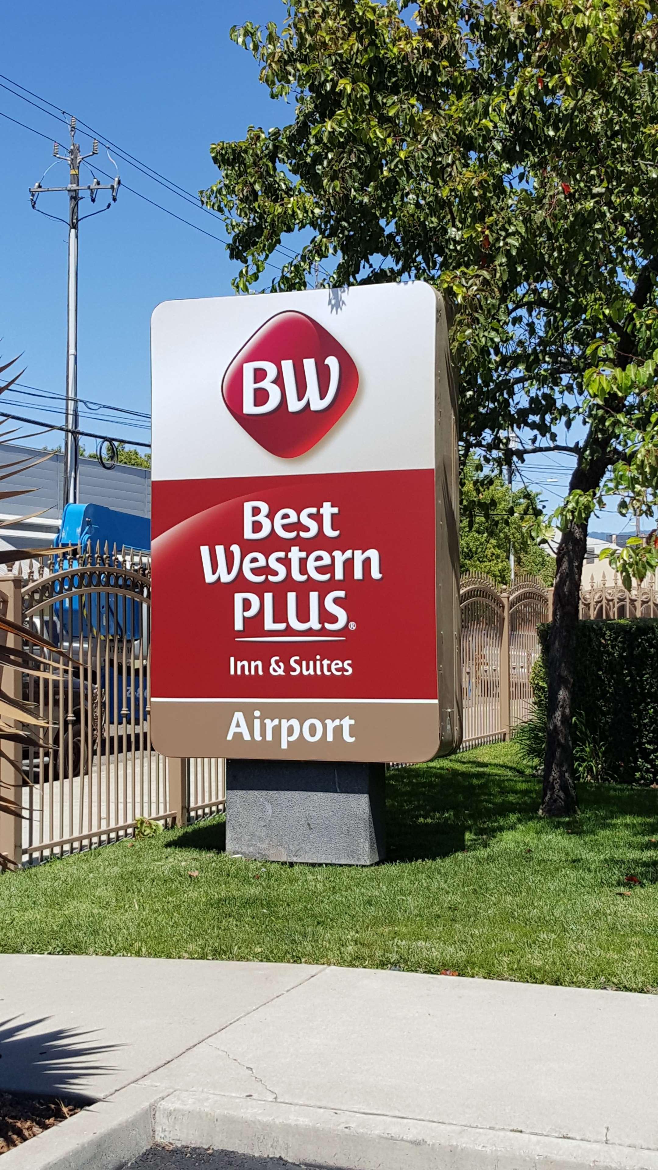 Best Western Plus Airport Inn & Suites image 26