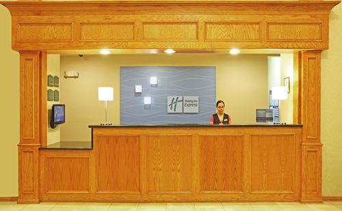 Holiday Inn Longview - North image 3