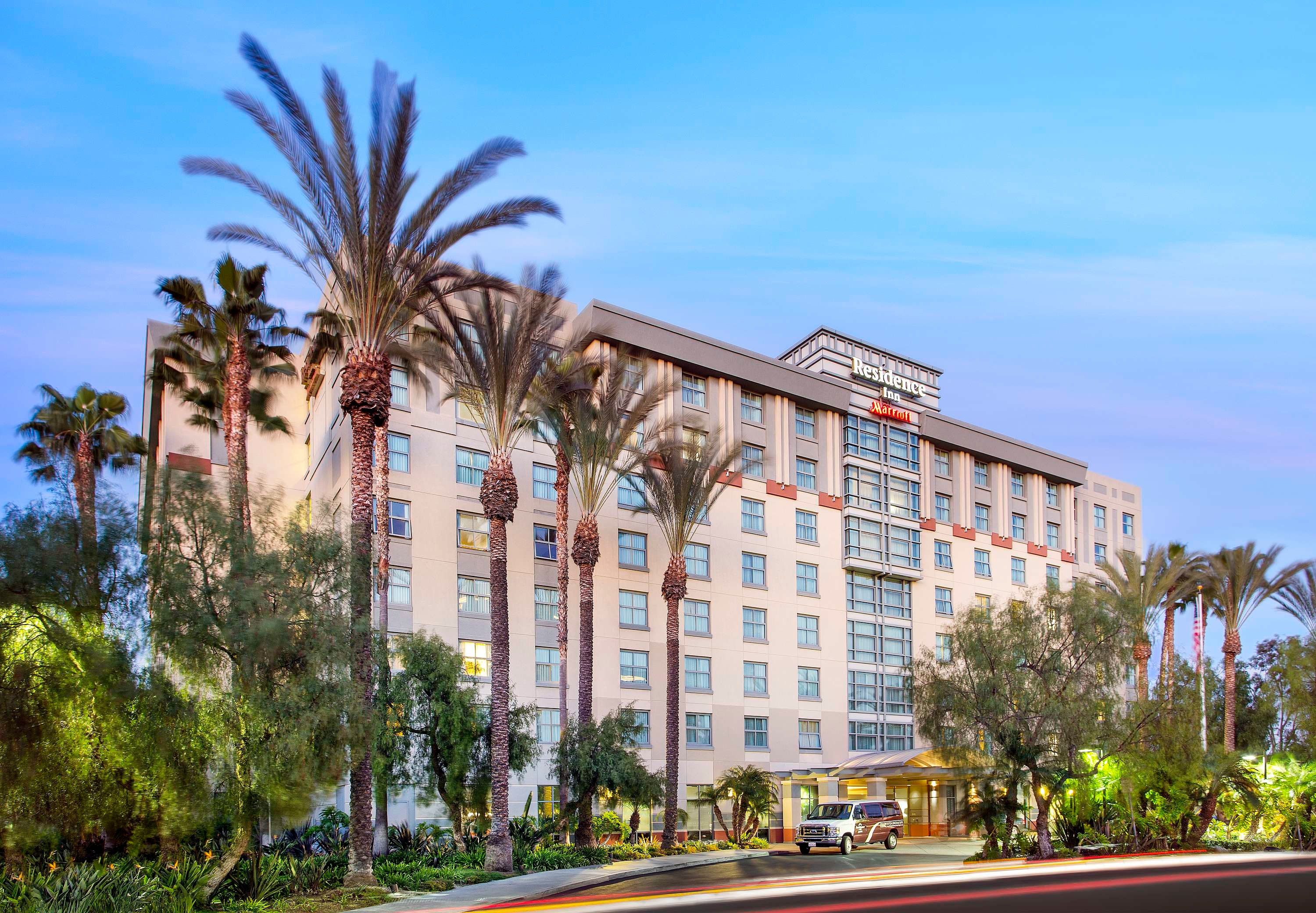 Exterior - With eight floors and 174 suites, our hotel in Orange County puts guests in the heart of the action with Disneyland® and the Irvine Spectrum nearby.