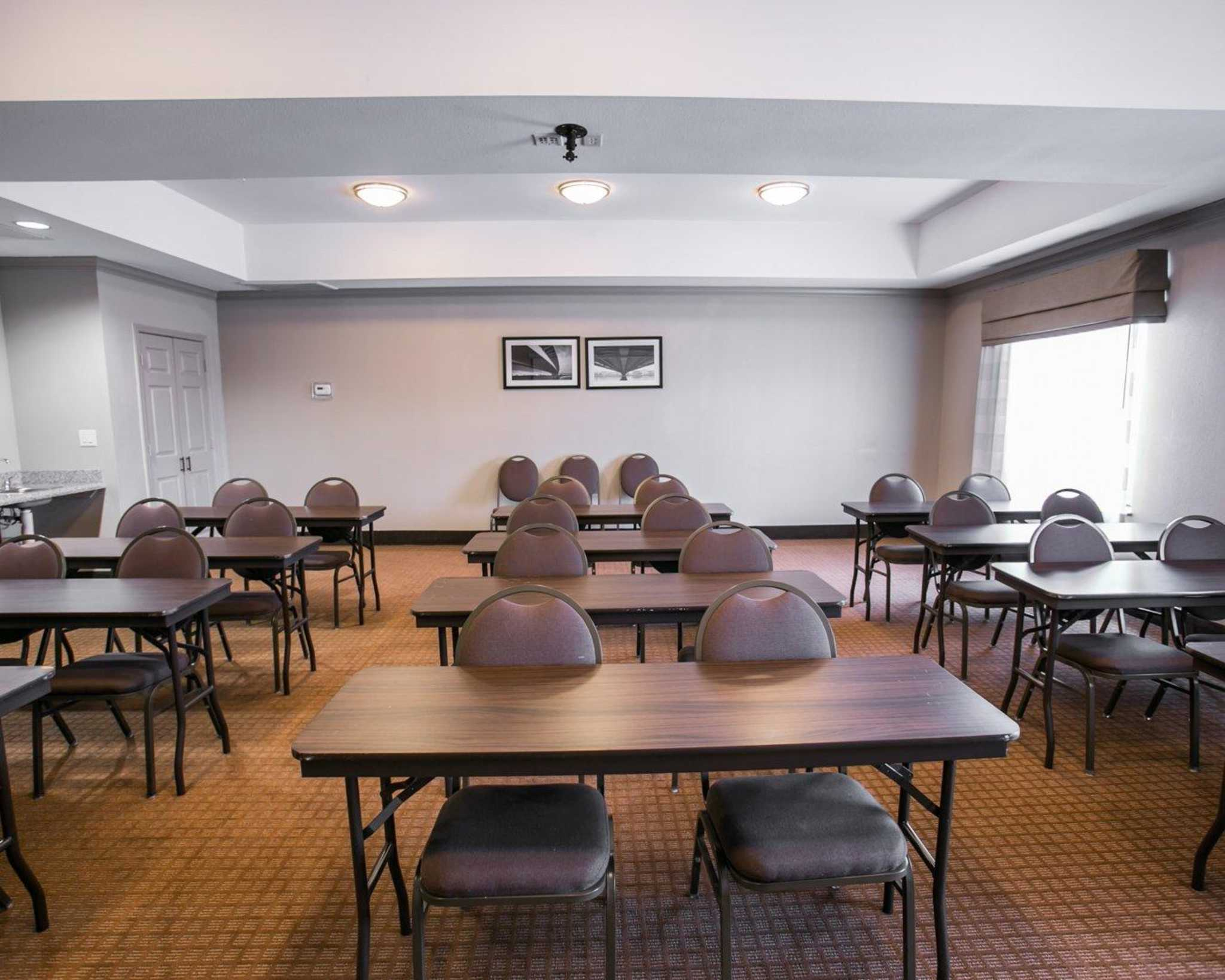 Sleep inn suites houston i 45 north at 222 airtex for Koi palace express