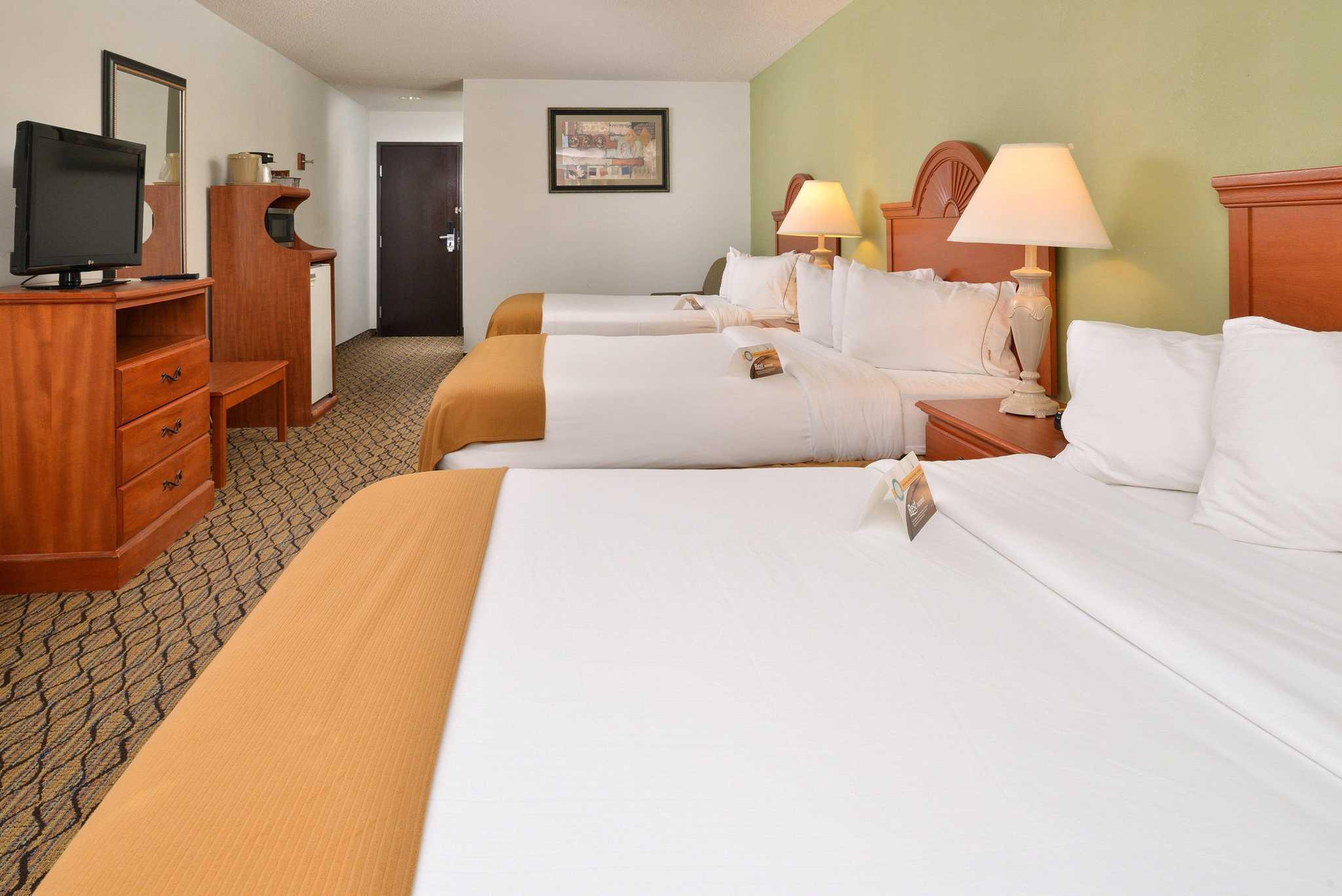 Quality Inn & Suites Jefferson City image 6