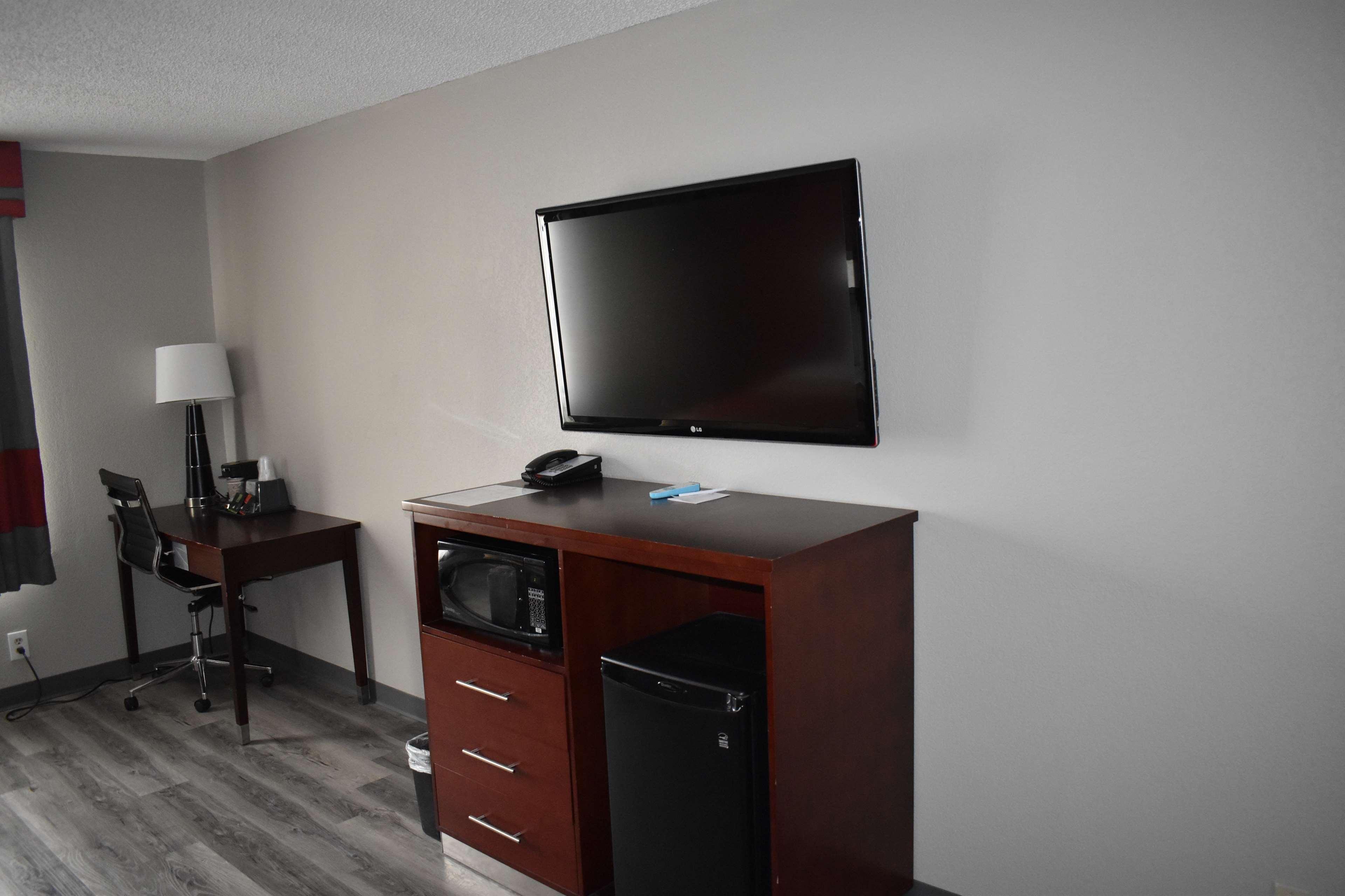SureStay Plus Hotel by Best Western San Antonio North image 5