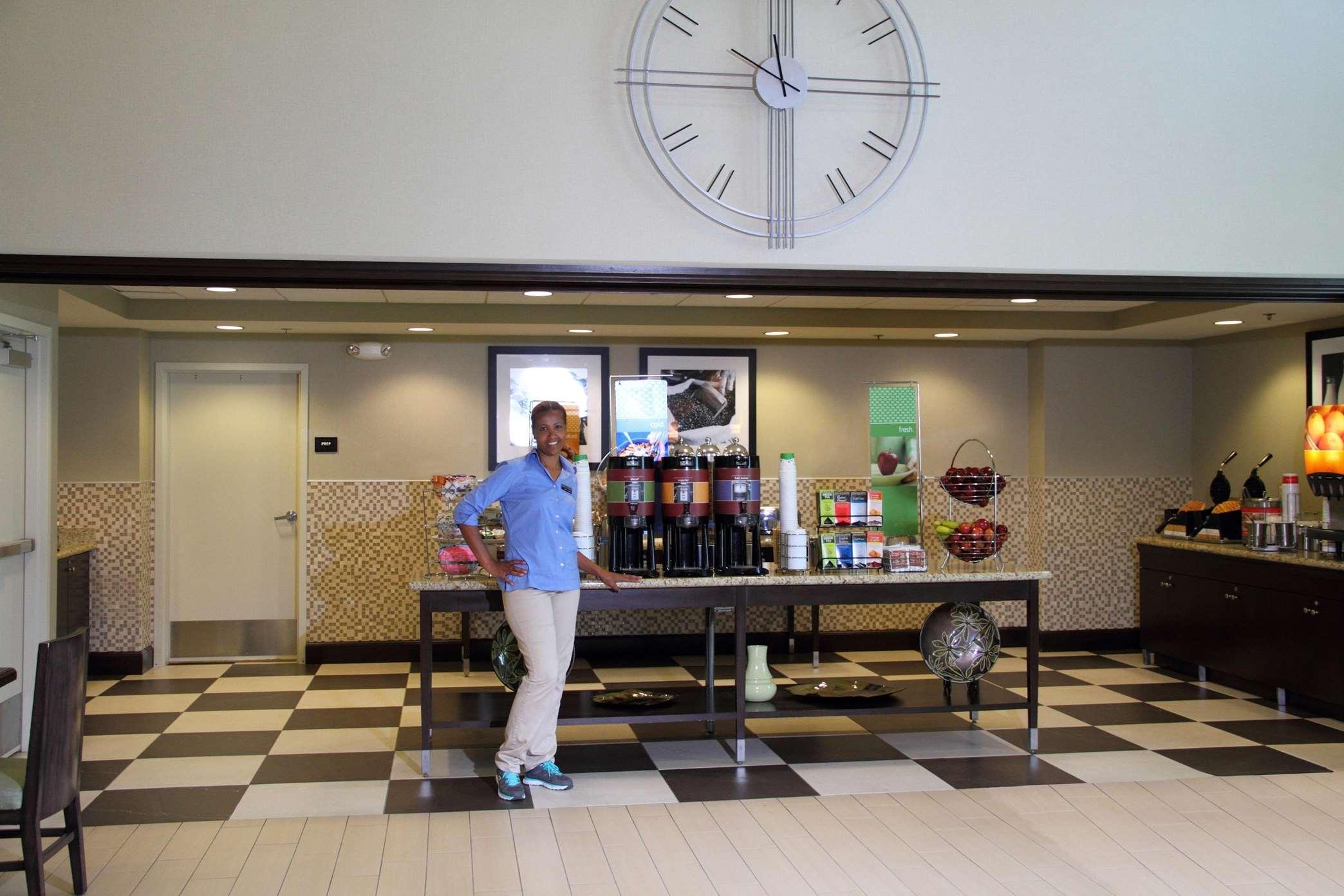 Hampton Inn & Suites Manteca image 34