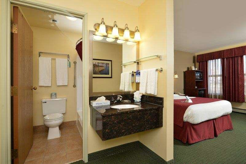 Best Western The Hotel Chequamegon image 23