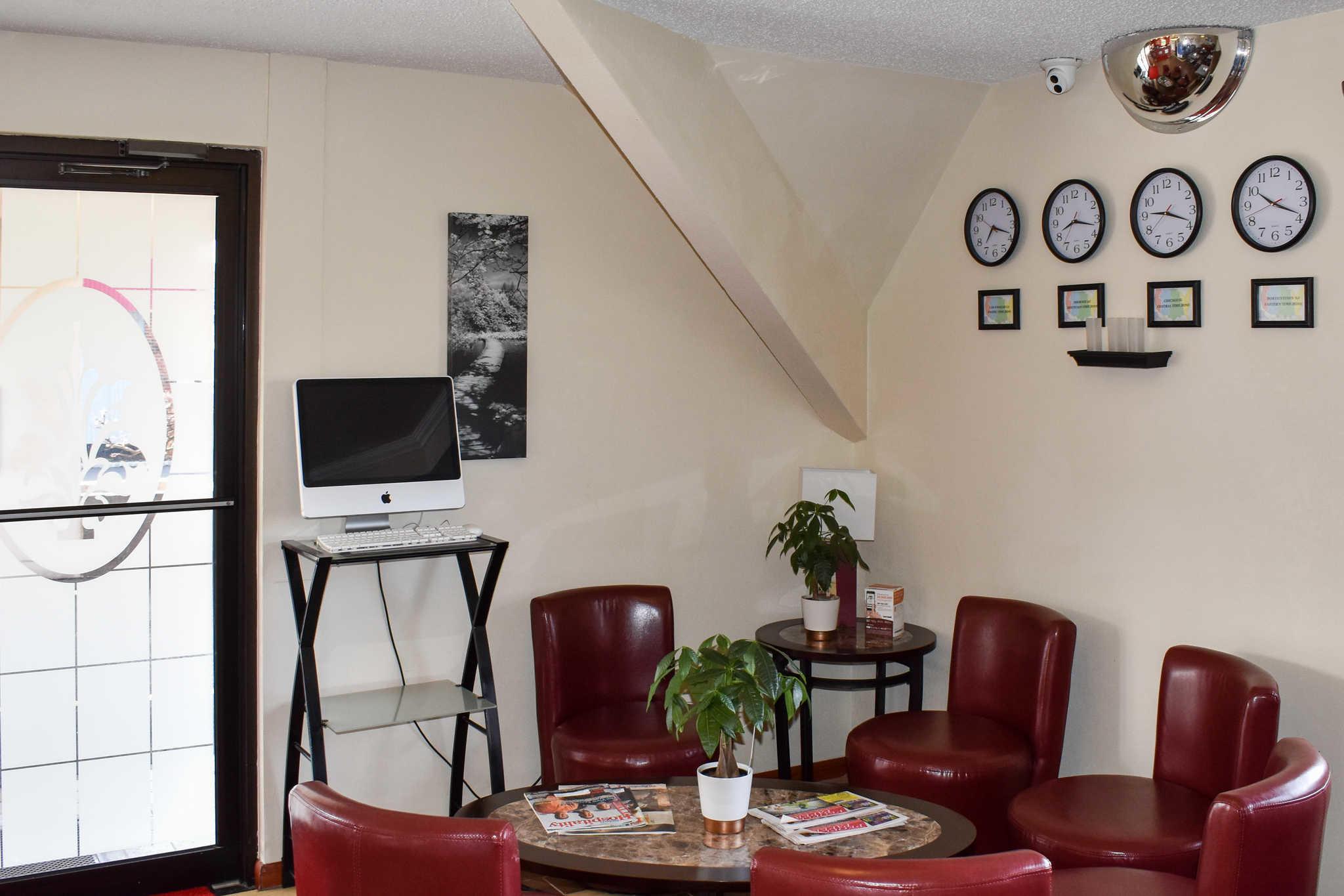 Econo Lodge Inn & Suites - Closed image 26