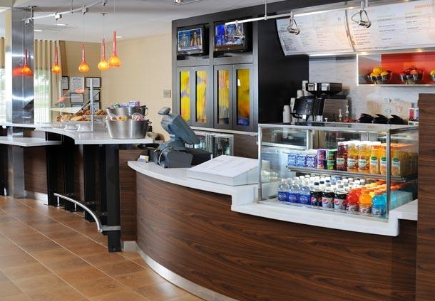 Courtyard by Marriott Houston Hobby Airport image 16