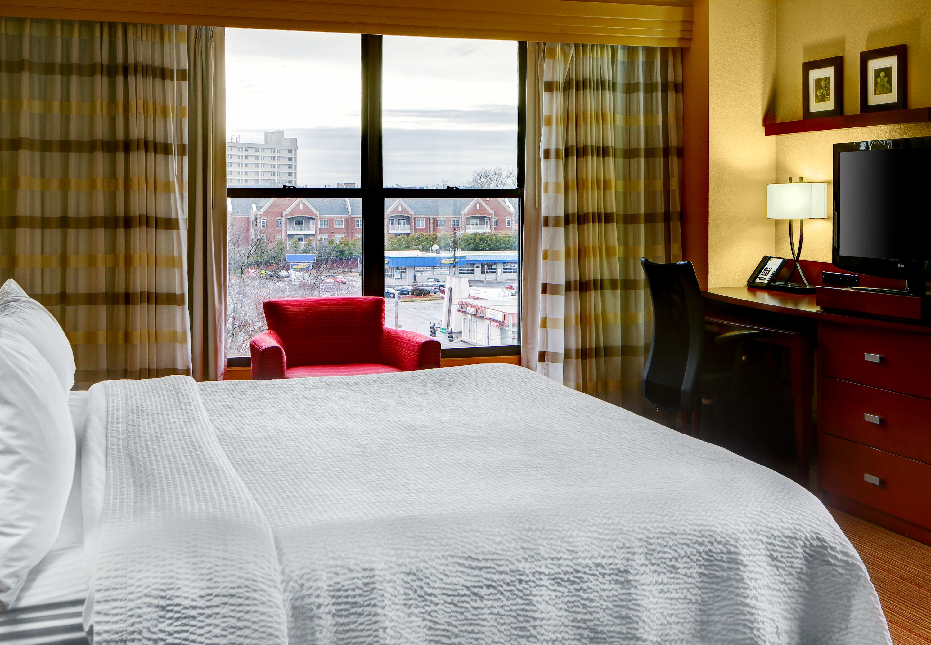 Courtyard by Marriott Atlanta Decatur Downtown/Emory image 10