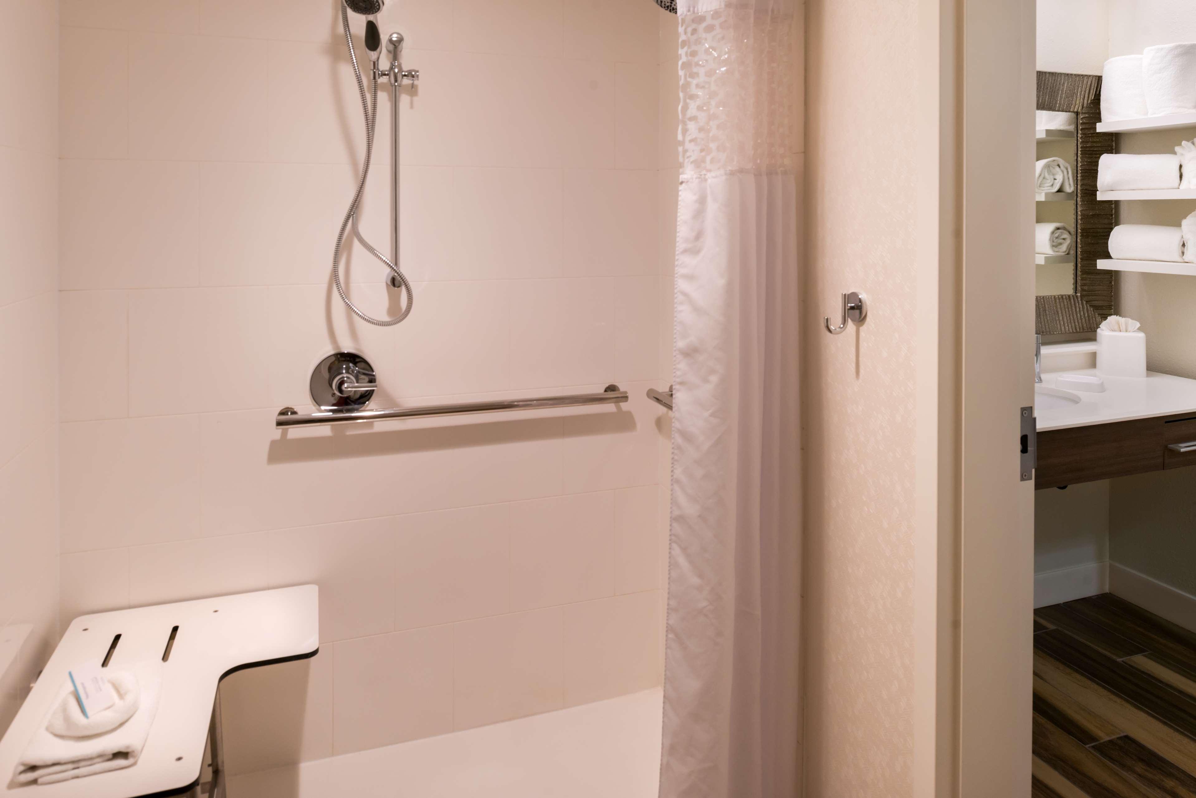 Hampton Inn & Suites Orlando/East UCF Area image 12