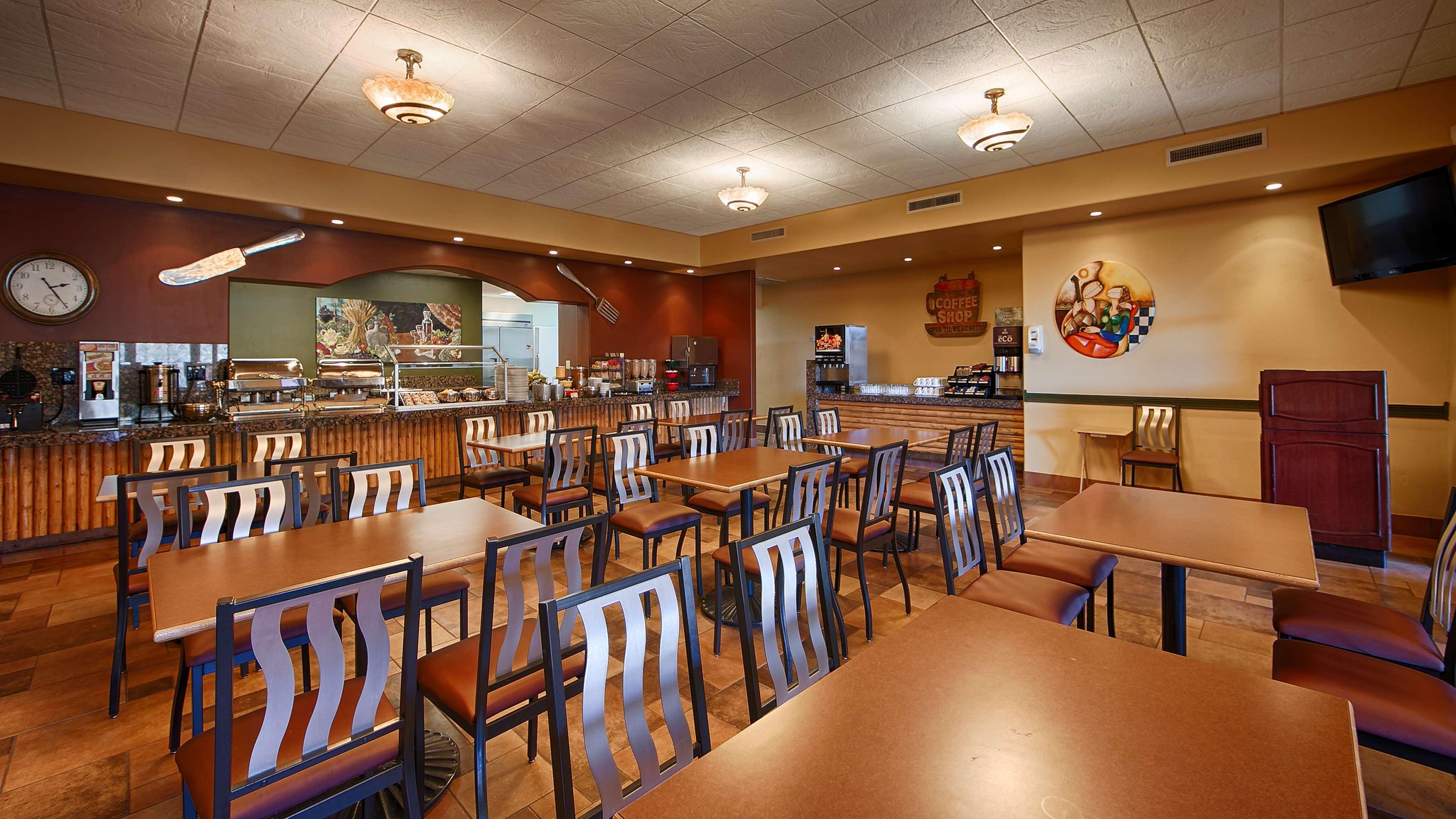 Best Western Plus Arroyo Roble Hotel & Creekside Villas image 9