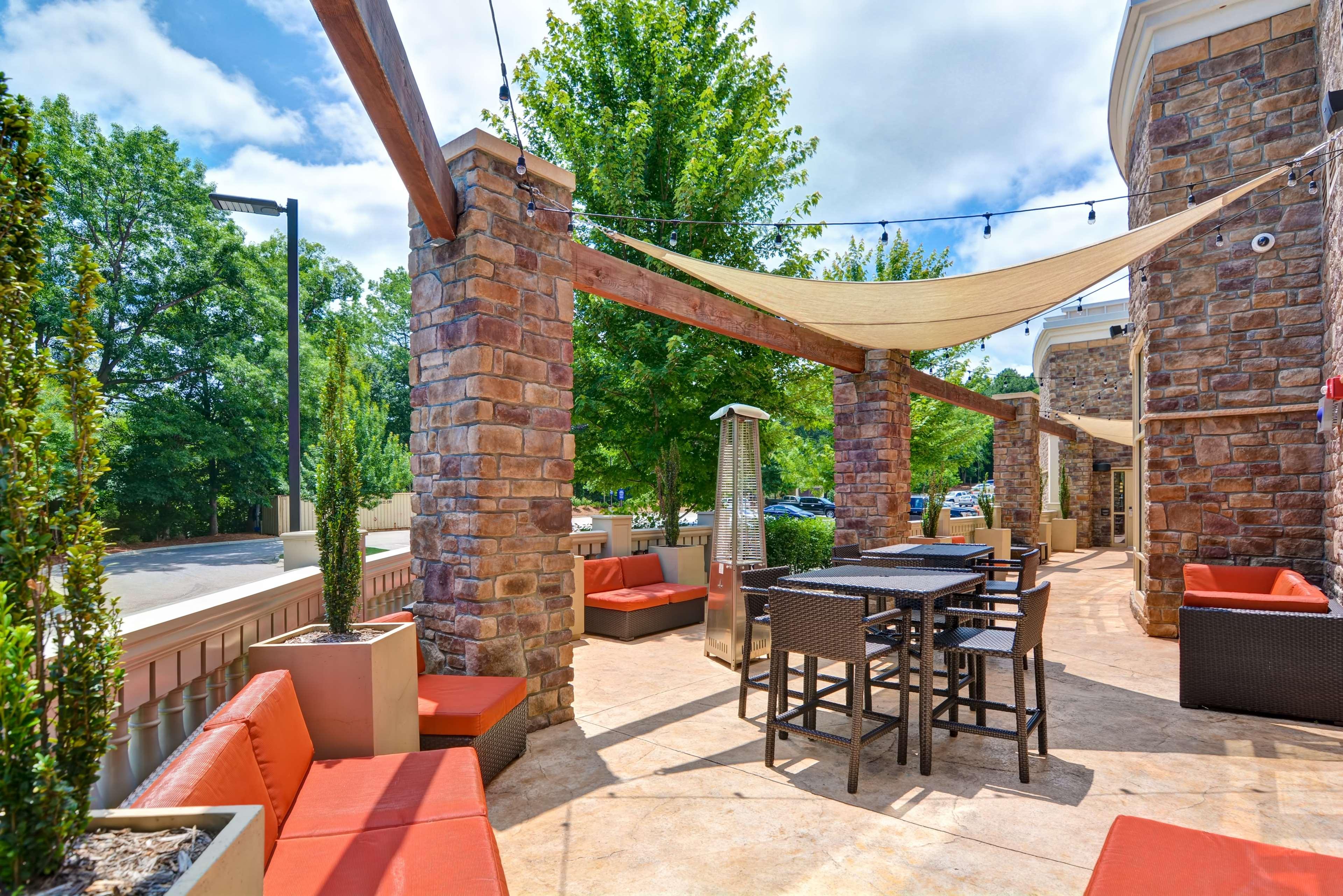 Hampton Inn & Suites Raleigh/Crabtree Valley image 1