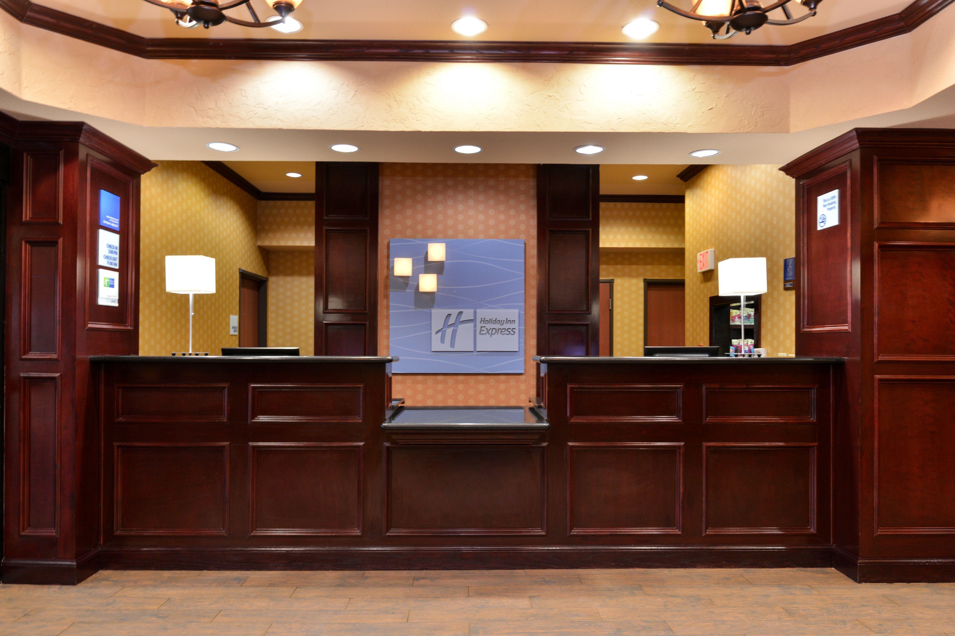 Holiday Inn Express & Suites Van Buren-Ft Smith Area image 5