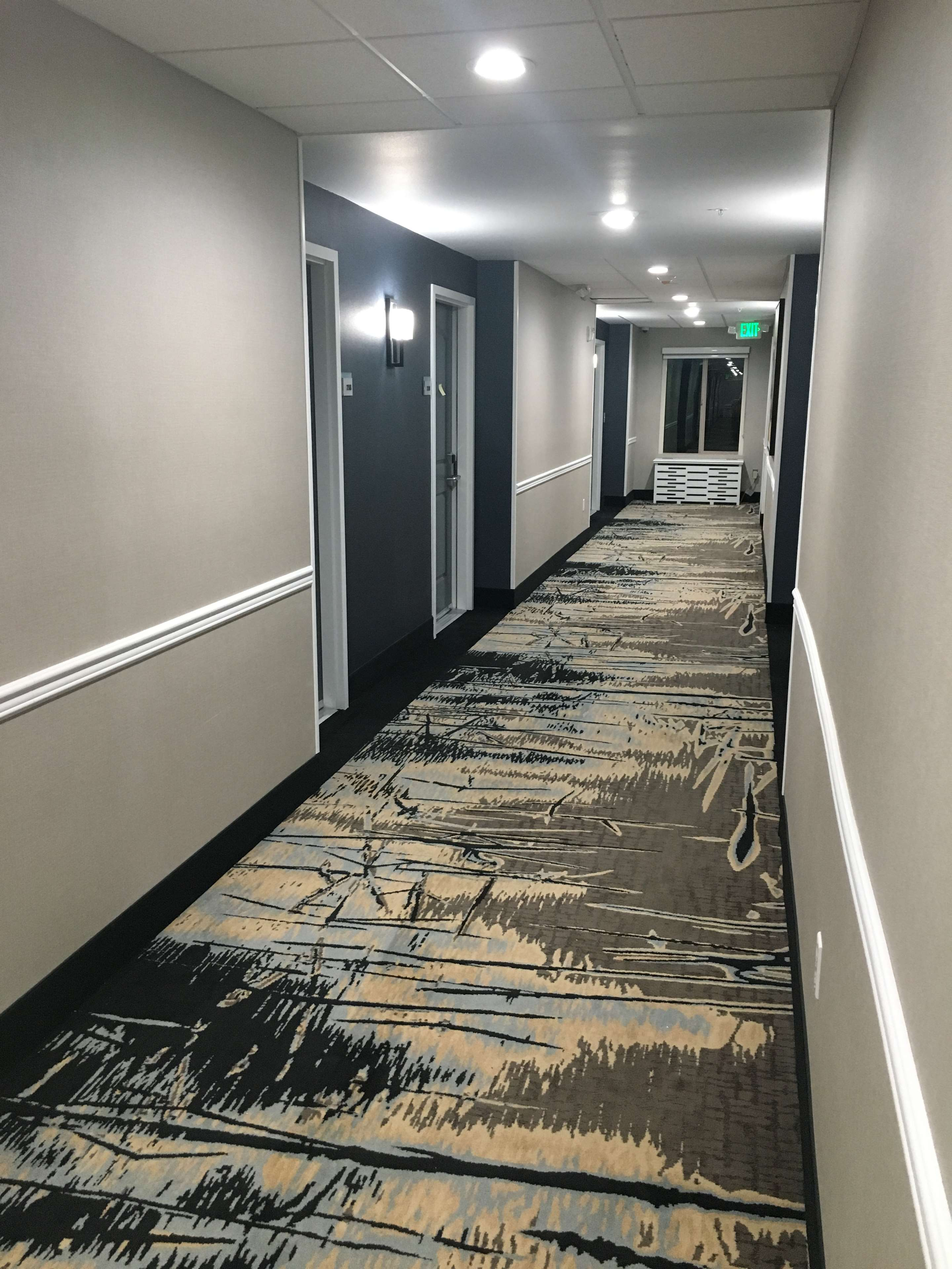 Best Western Plus Commerce Parkway Inn & Suites image 11