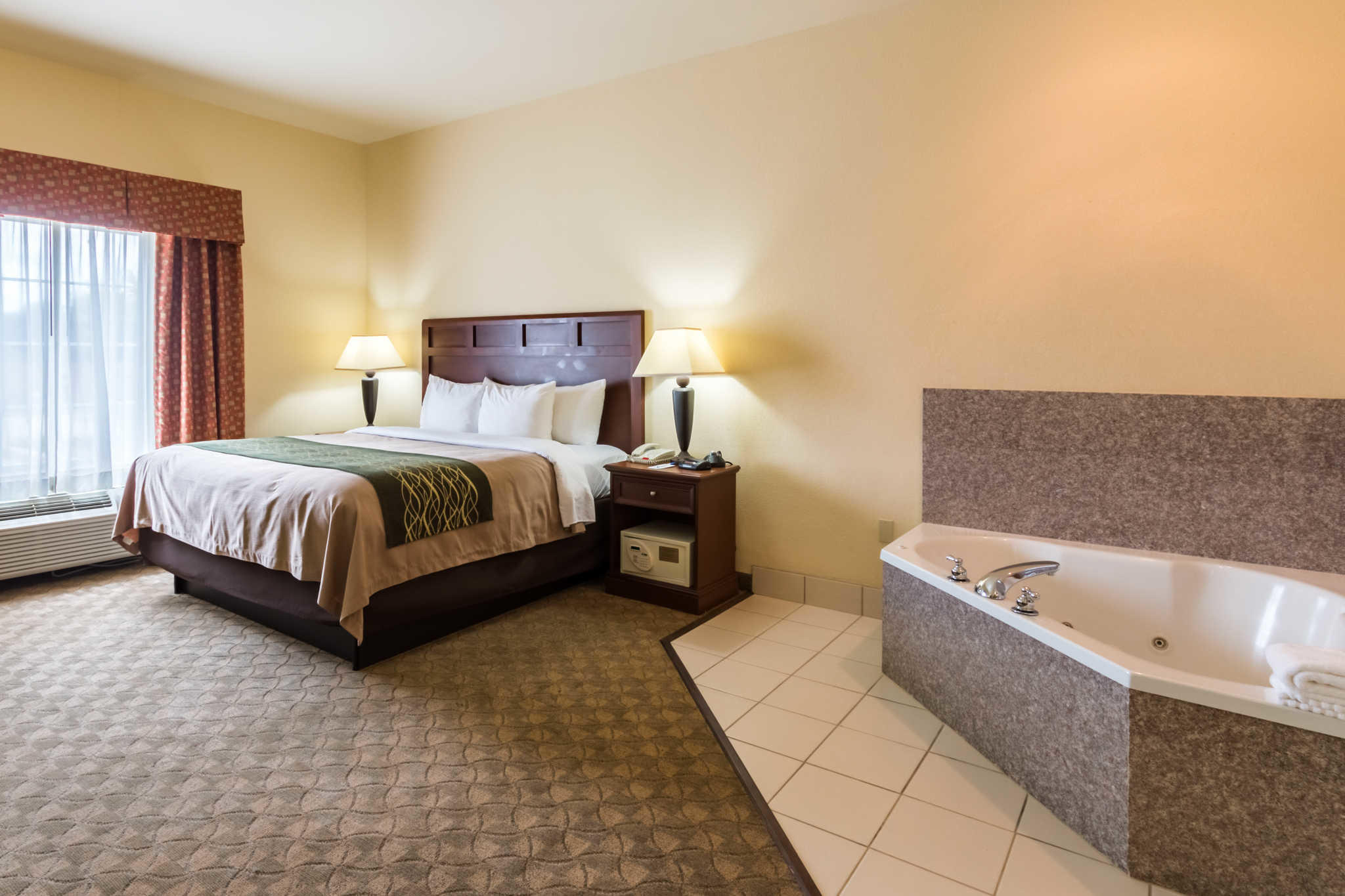Comfort Inn & Suites near Comanche Peak image 19