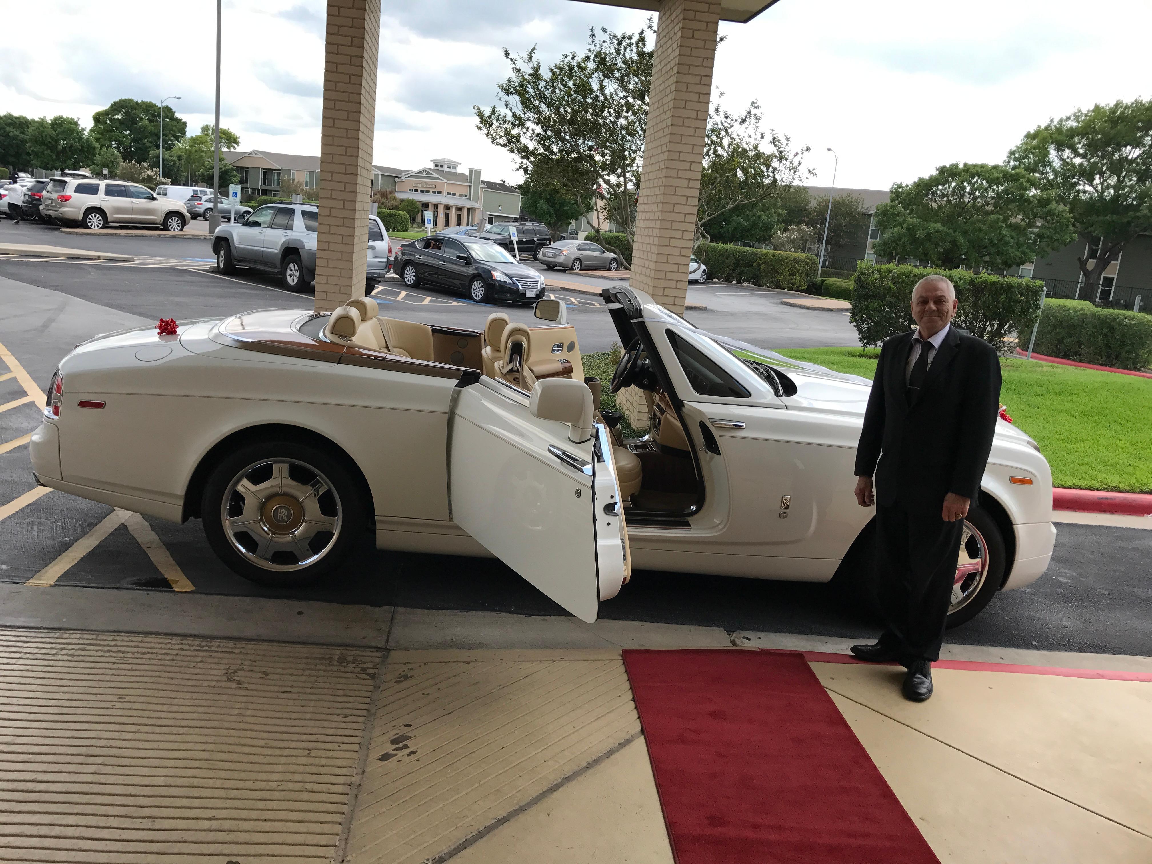 american luxury limousine image 1