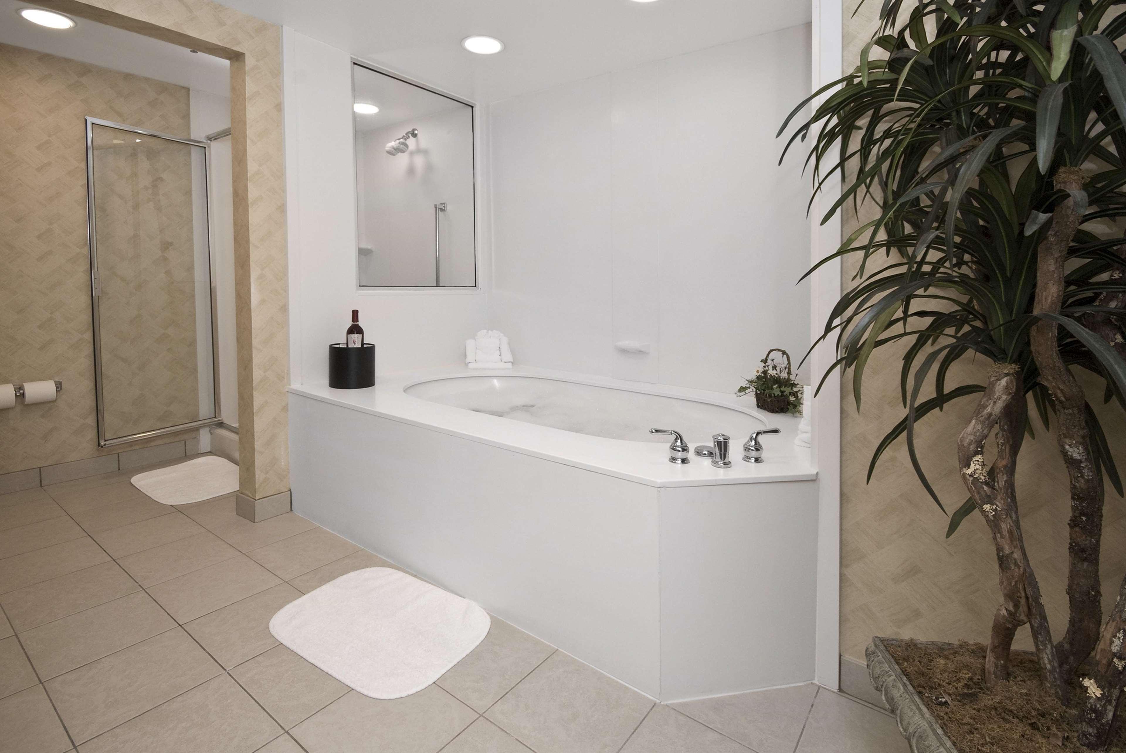 Hampton Inn & Suites Jacksonville South-St. Johns Town Center Area image 32