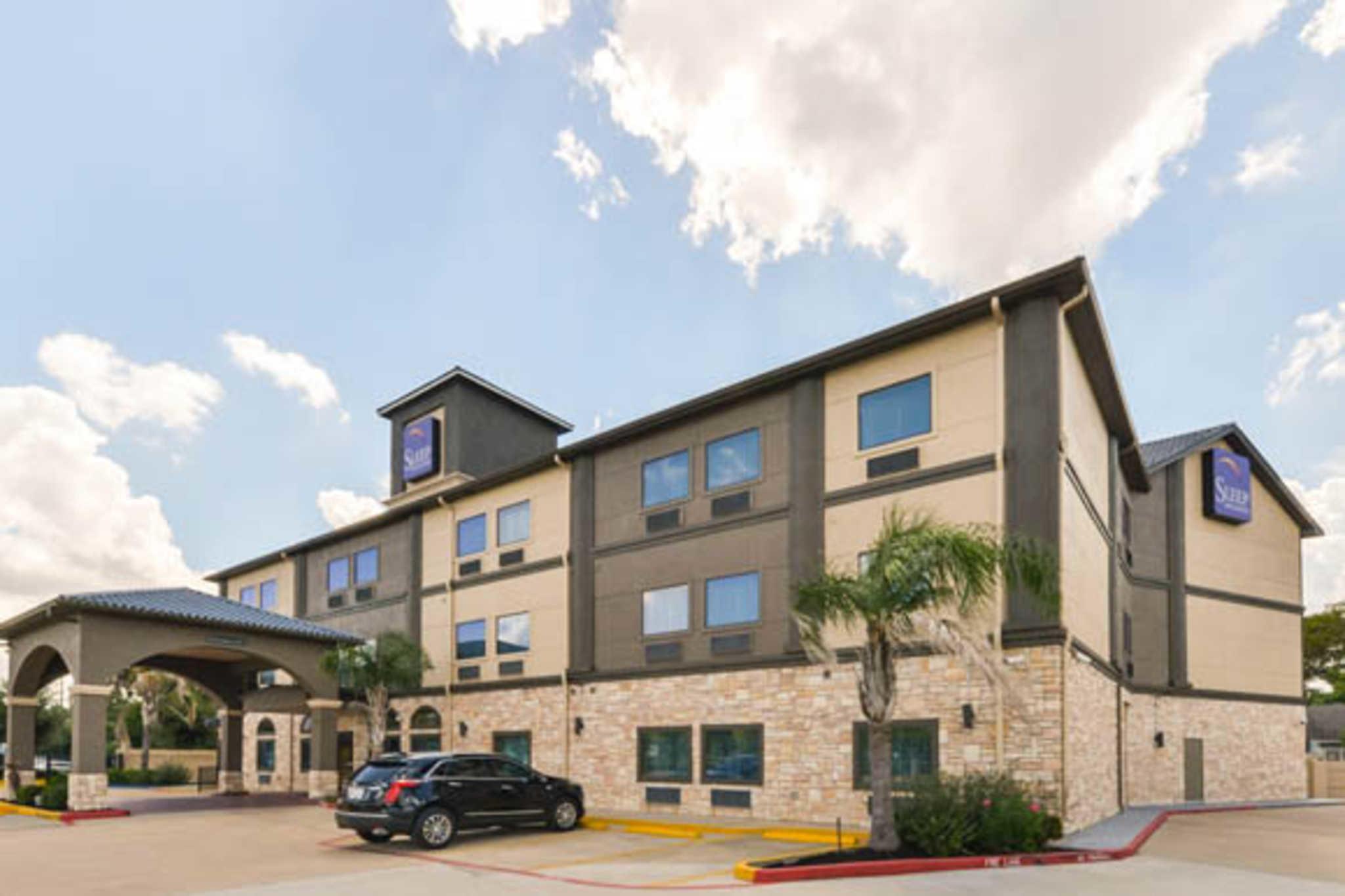 Sleep Inn & Suites Near Downtown North image 1