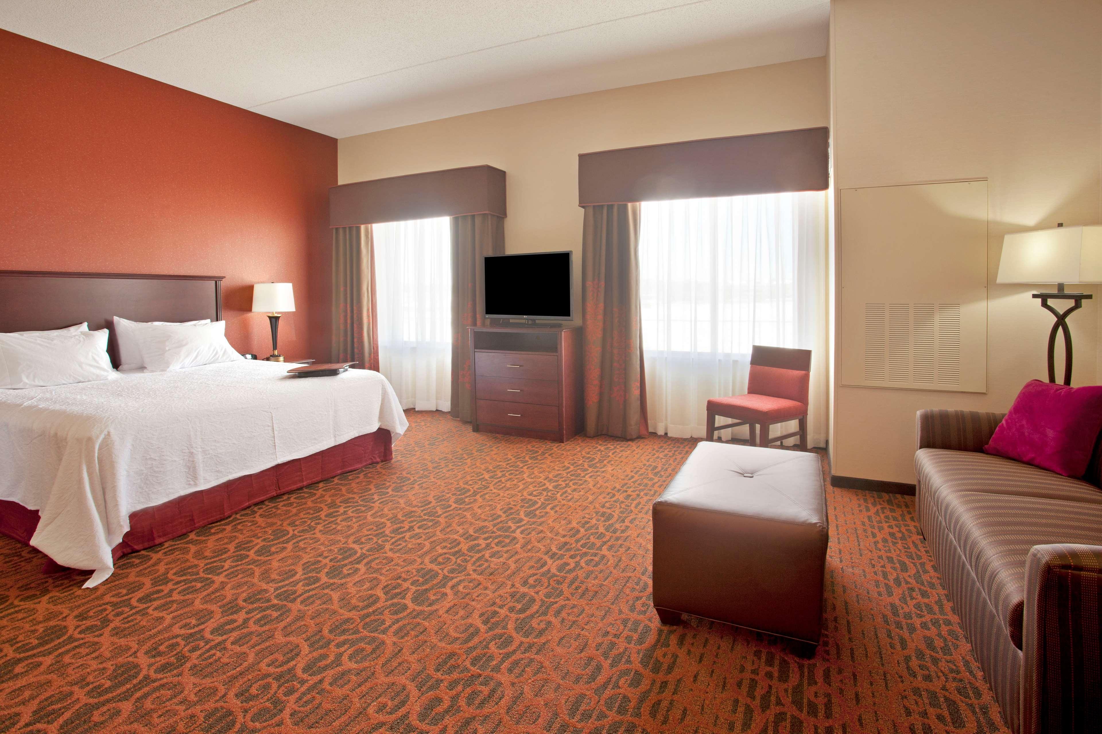 Hampton Inn Suites Minneapolis St Paul Arpt-Mall of America image 20