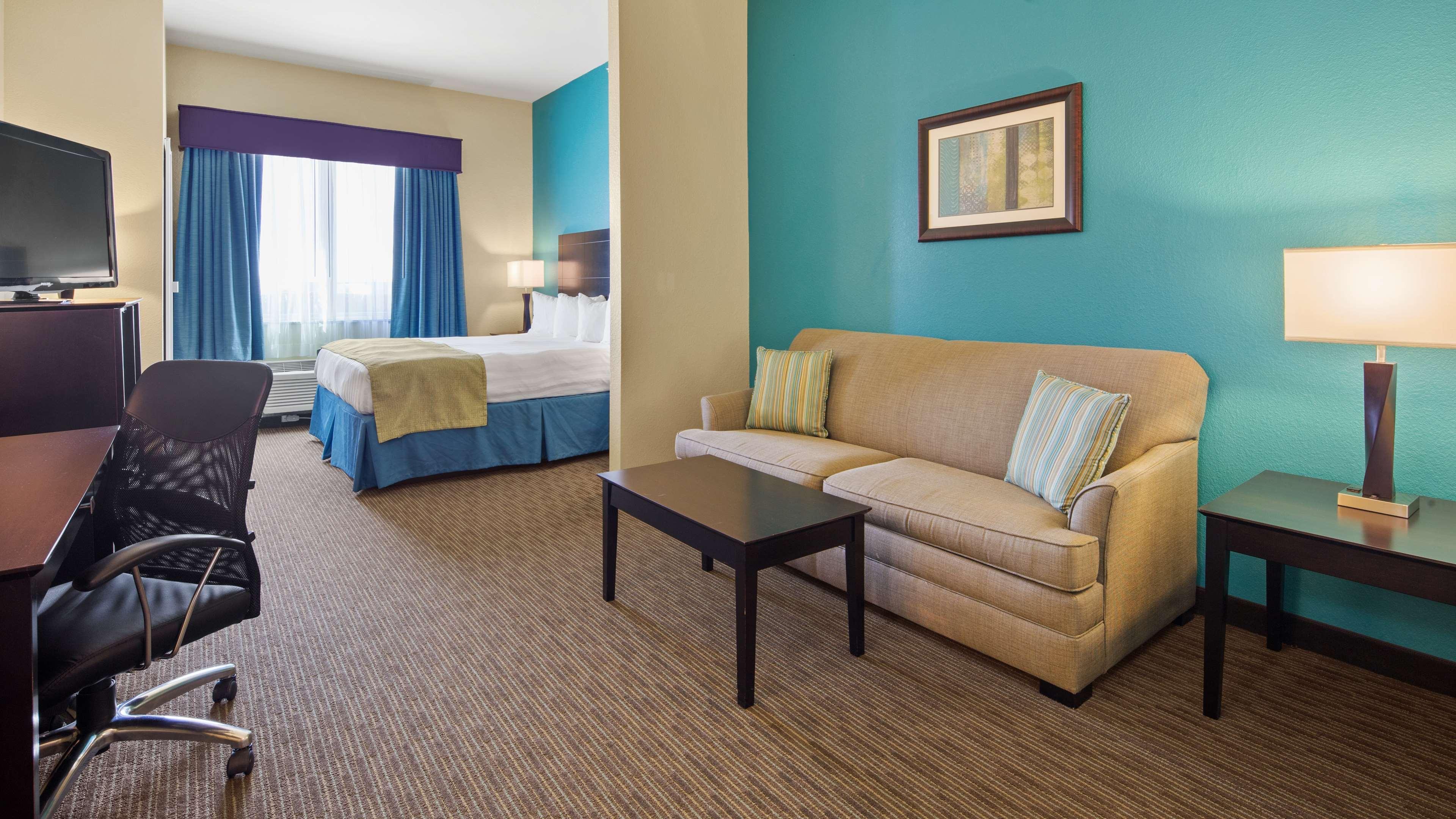 Best Western Lindsay Inn & Suites image 12