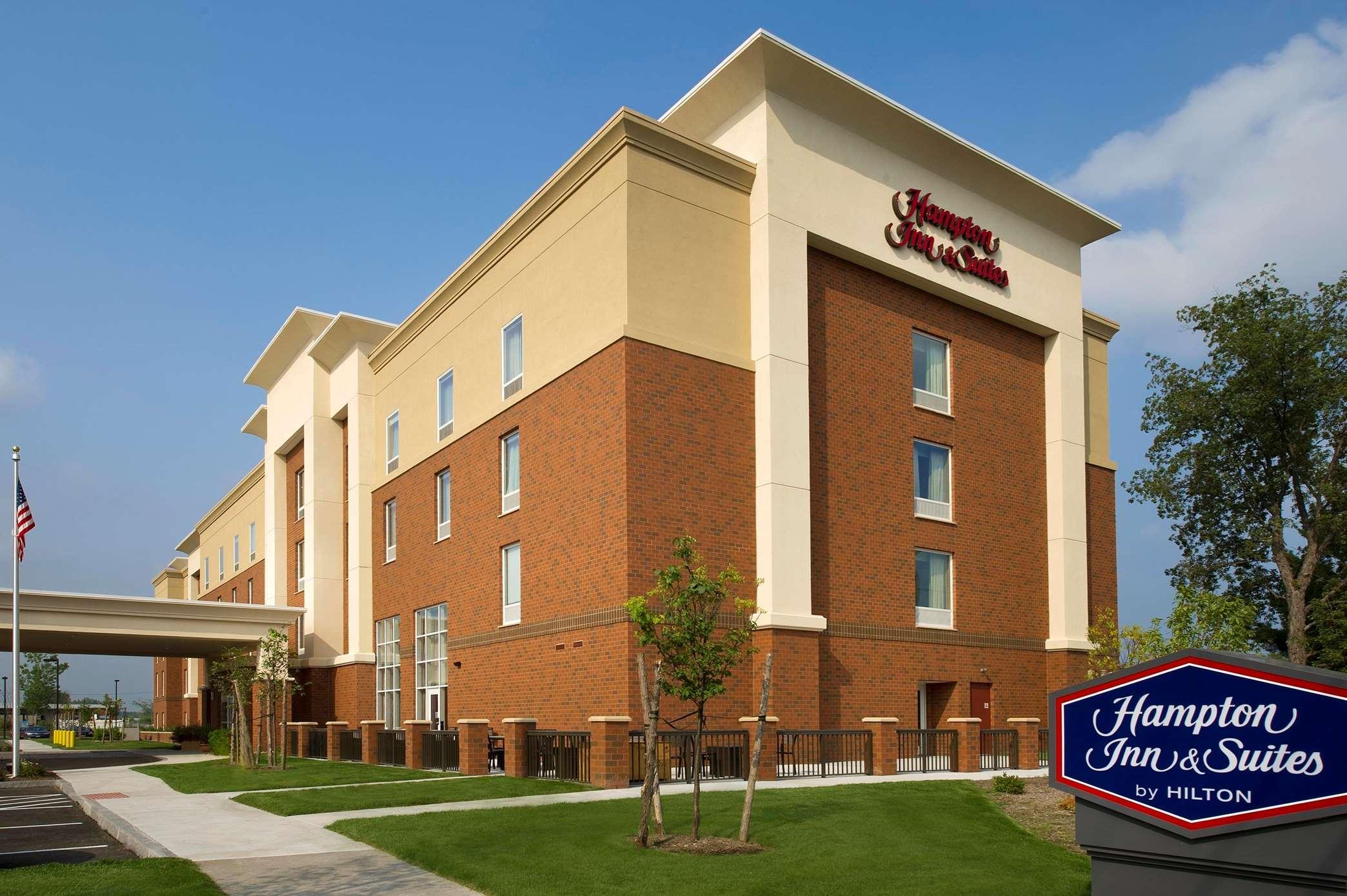 Hampton Inn & Suites Syracuse/Carrier Circle image 0