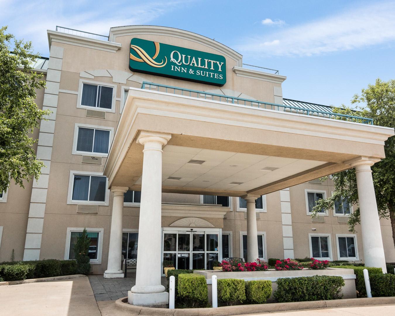 Quality Inn Suites Hotel Bossier City La 71112 Hotel Near Me Best Hotel Near Me [hotel-italia.us]